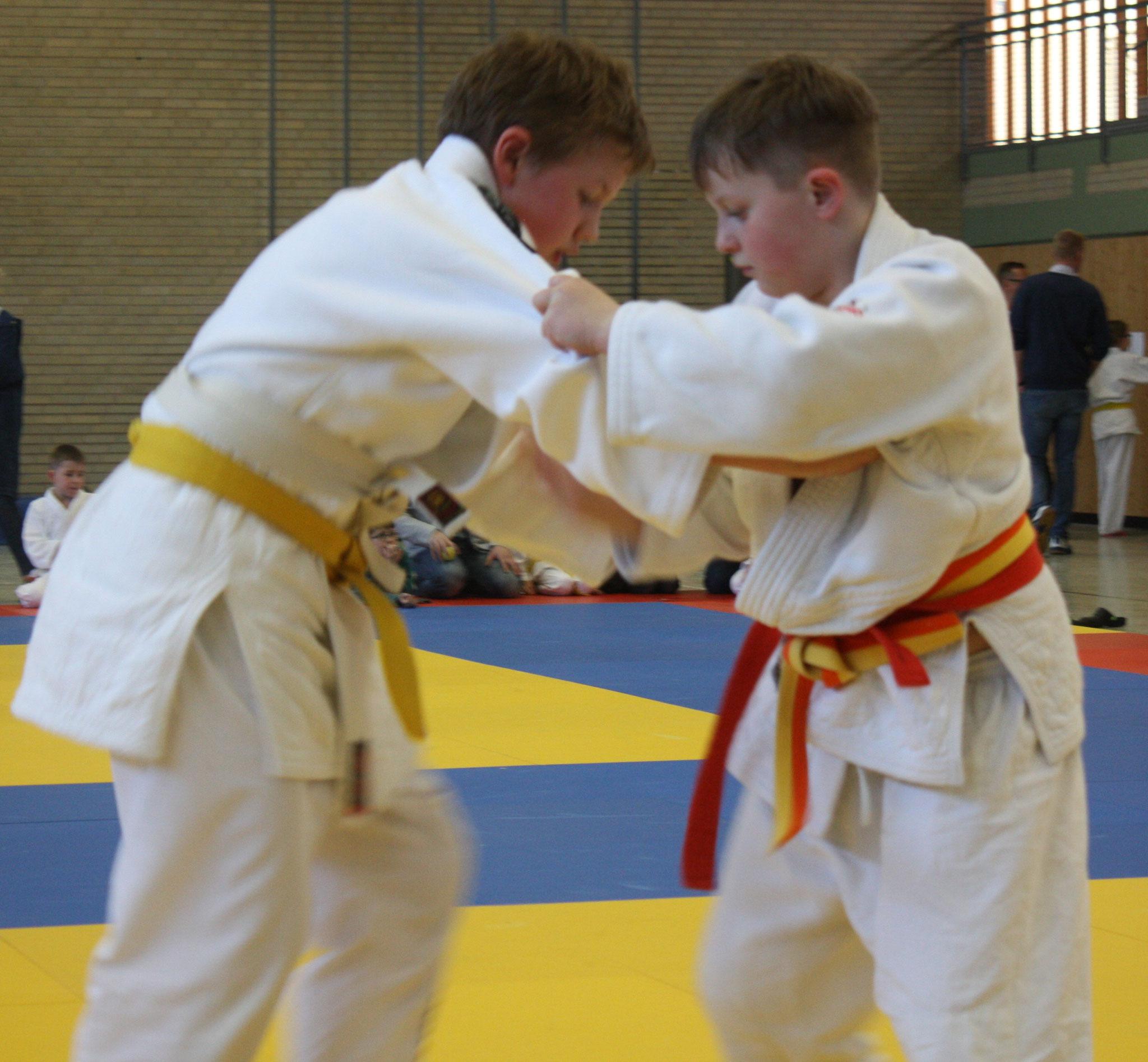 KEM U12 – Phillip Damis konzentriert auf den Gegner.