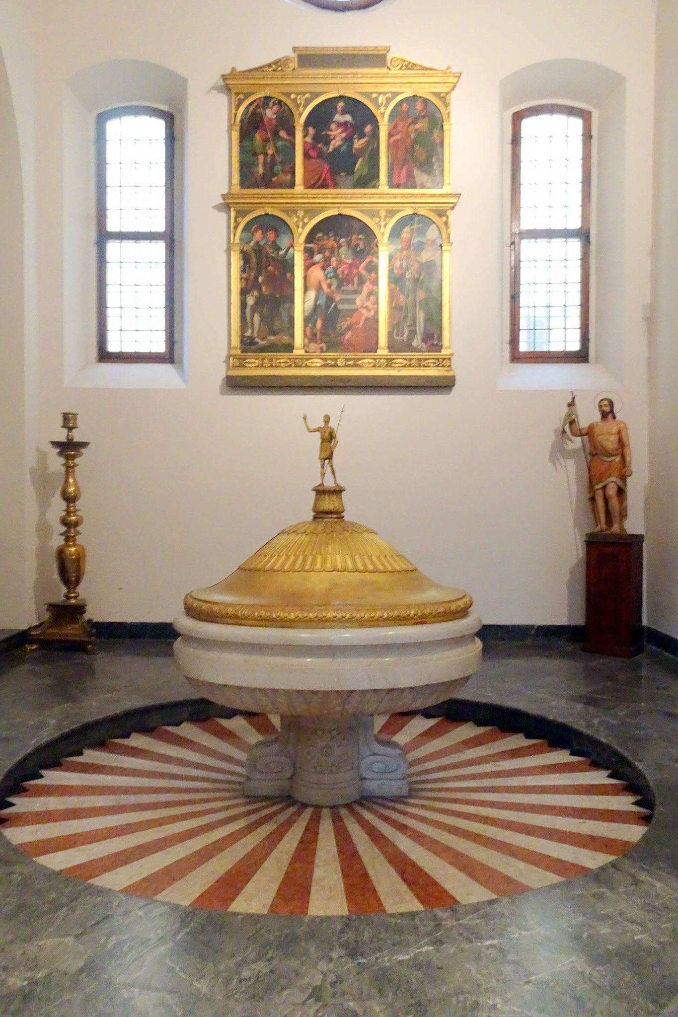 Lodi, baptistère du Duomo