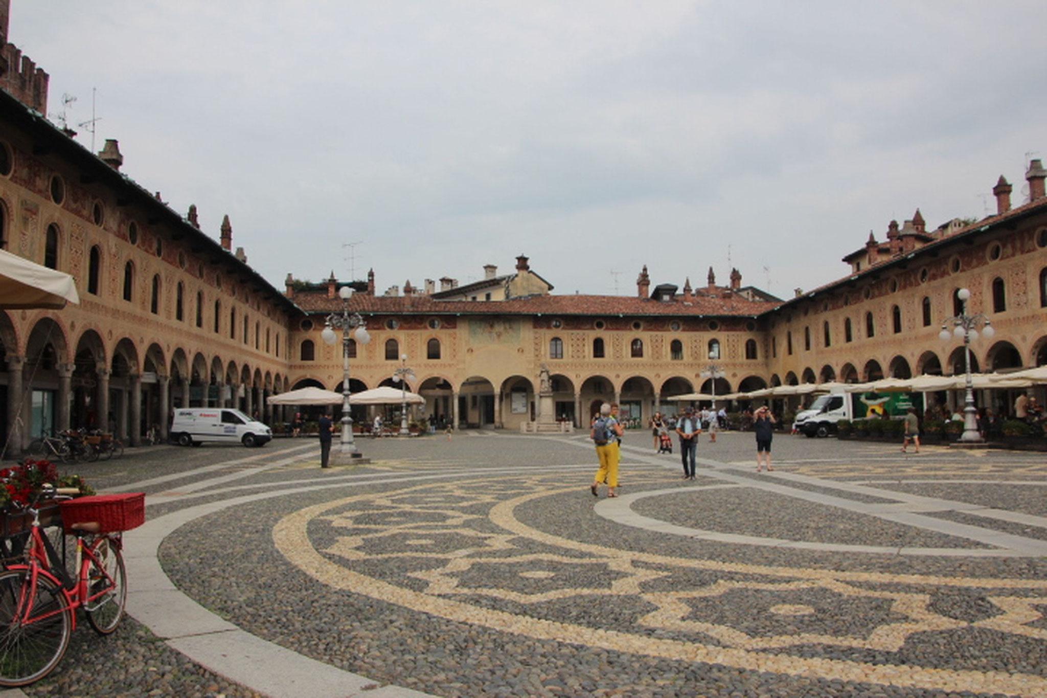 Place de Vigevano (1)