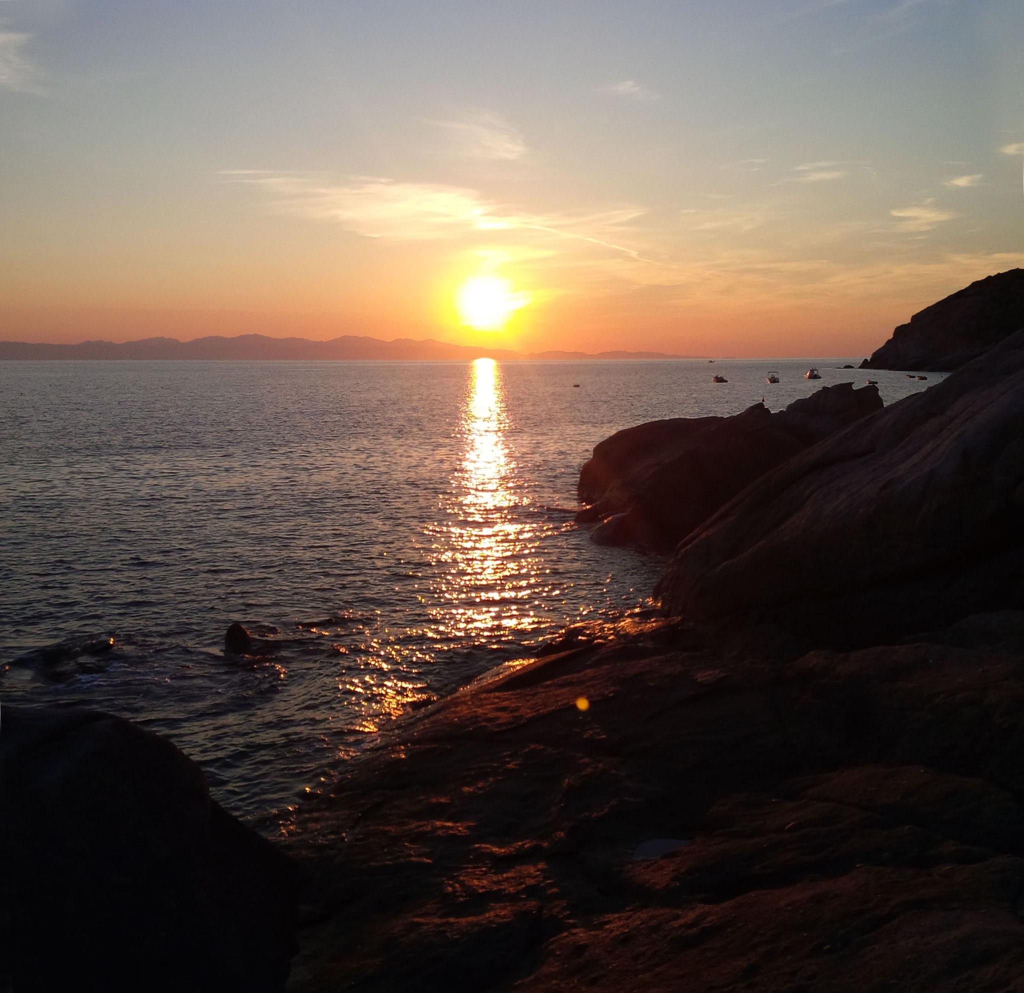 Wenn bei Chiessi die rote Sonne im Meer versinkt....