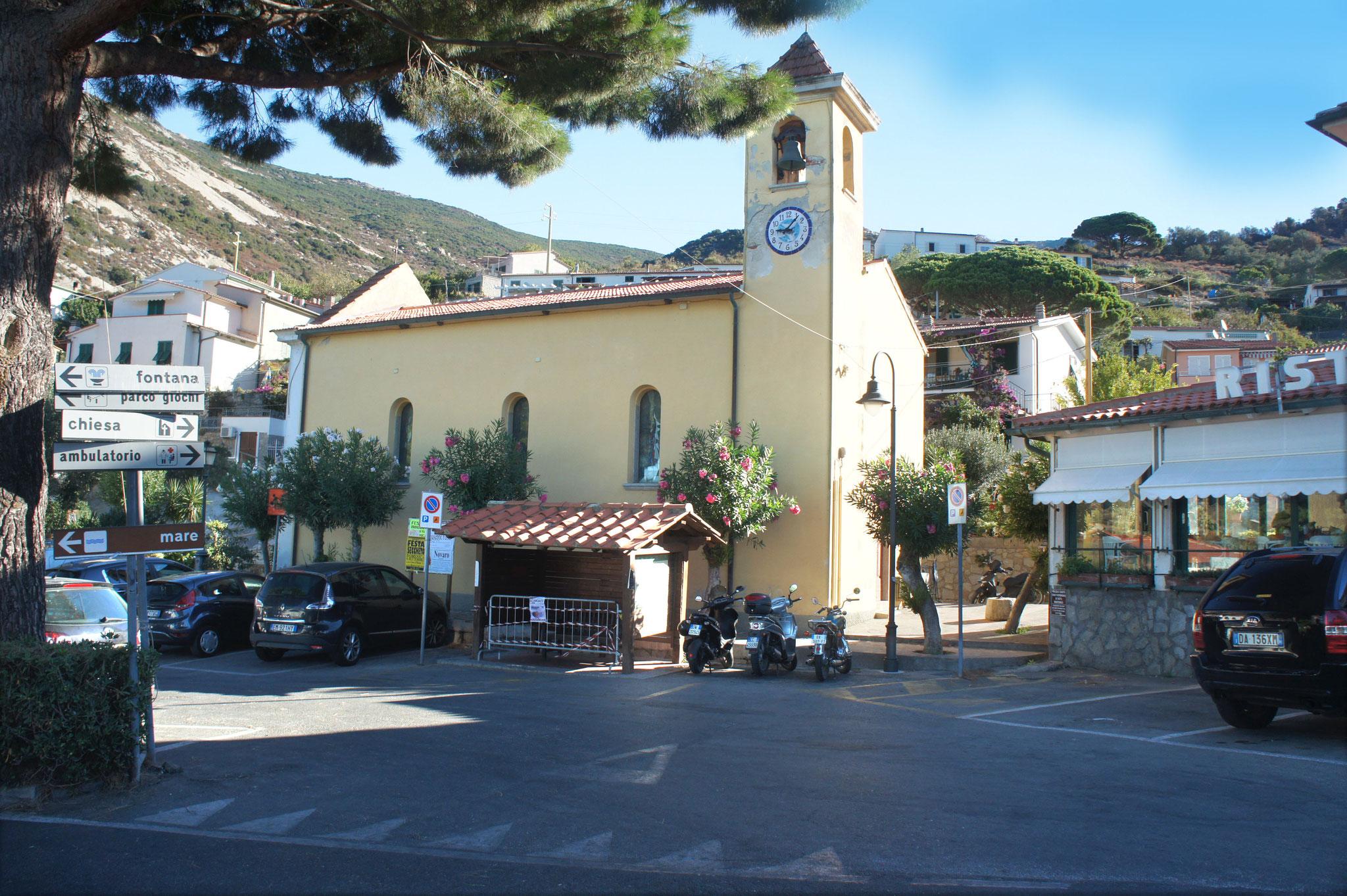 Ortszentrum Chiessi – hier bleibt die Kirche im Dorf