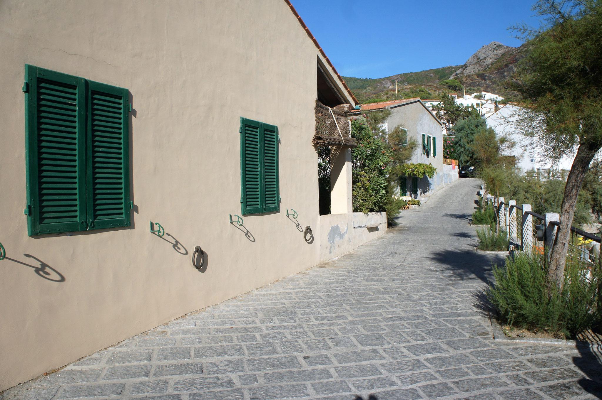 Spaziergang in die Ortschaft Chiessi