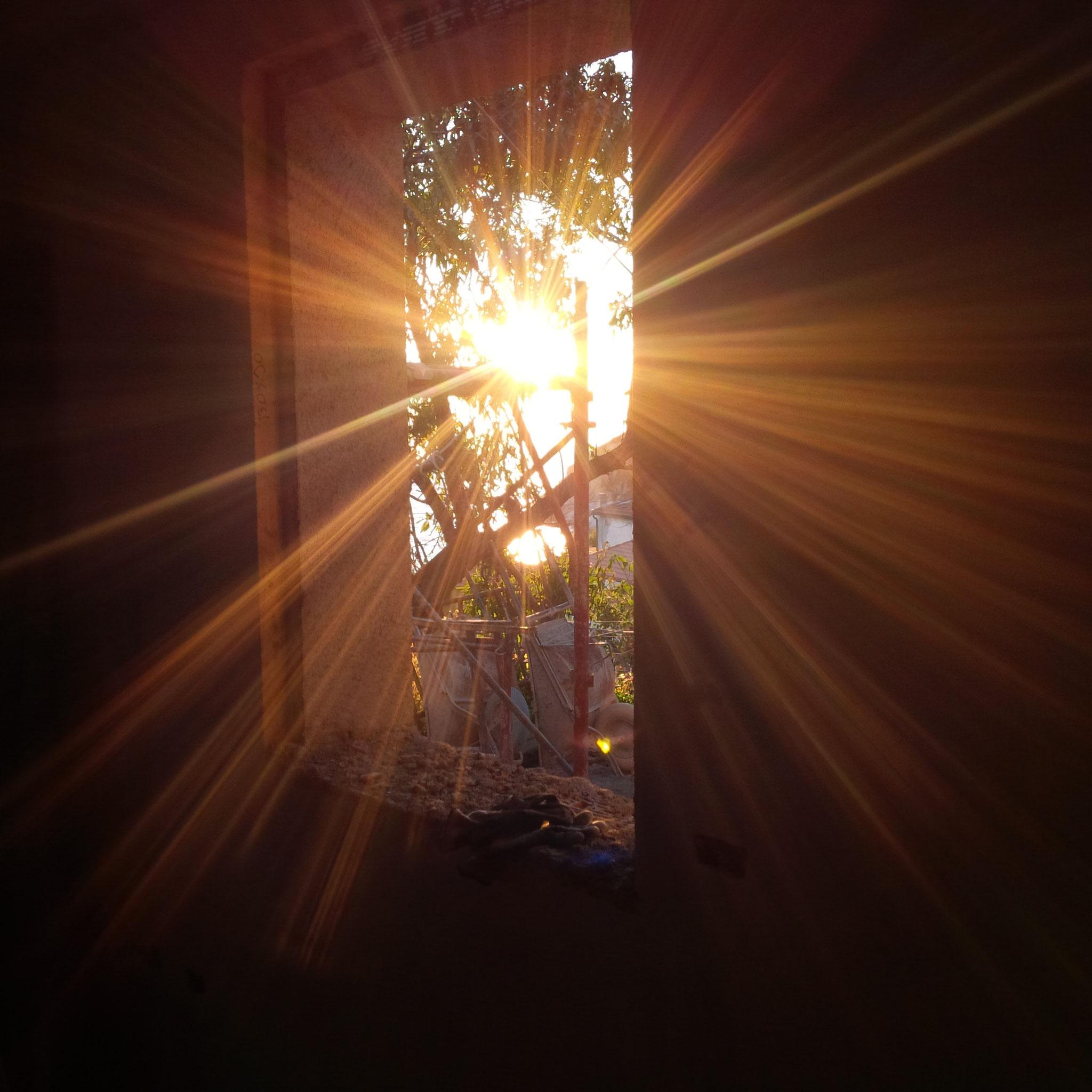 Wir reiben uns die Augen (Monat/Jahr): Licht am Ende des Tunnels