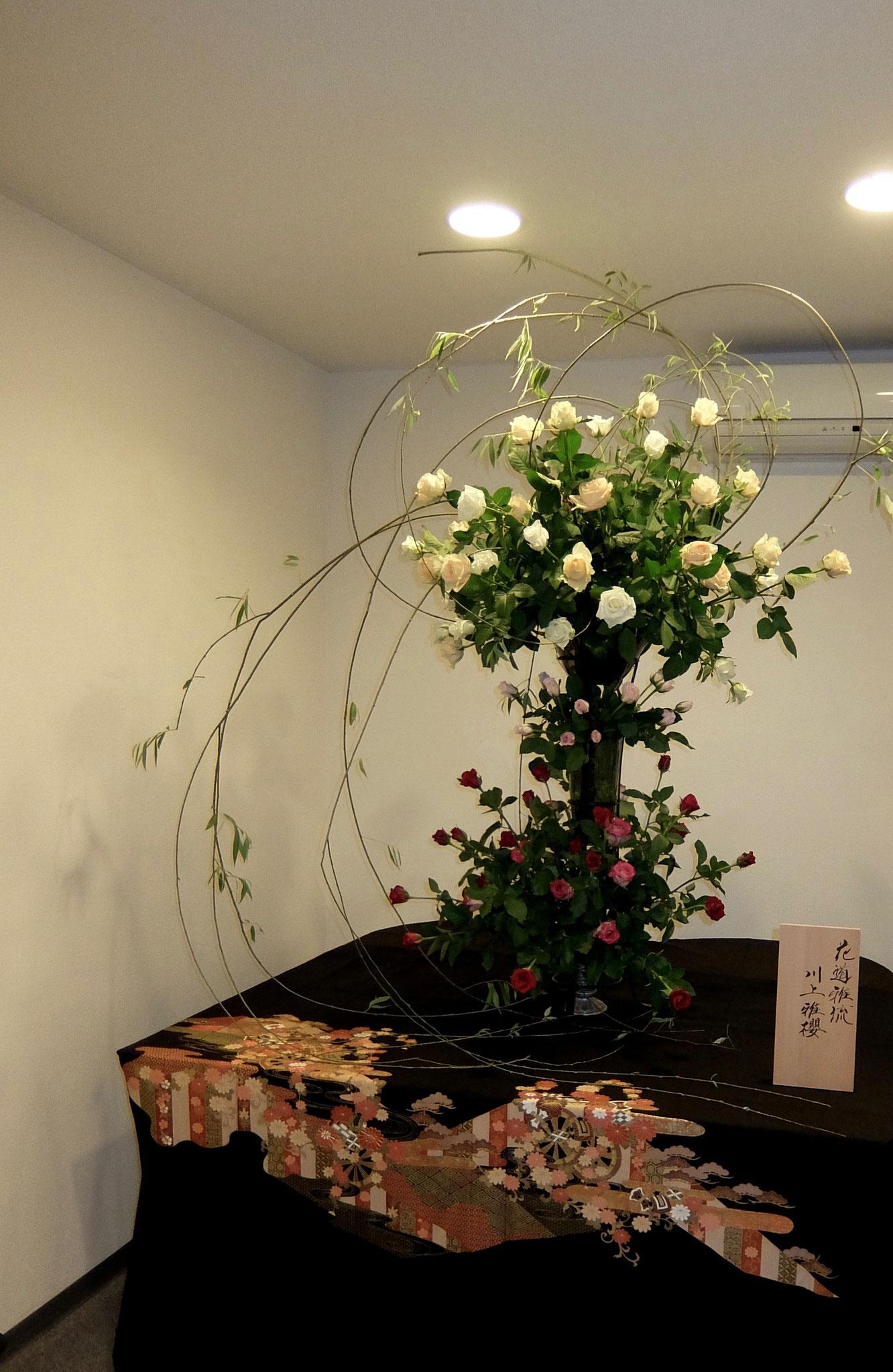 六角柳 バラ100本 川上雅櫻