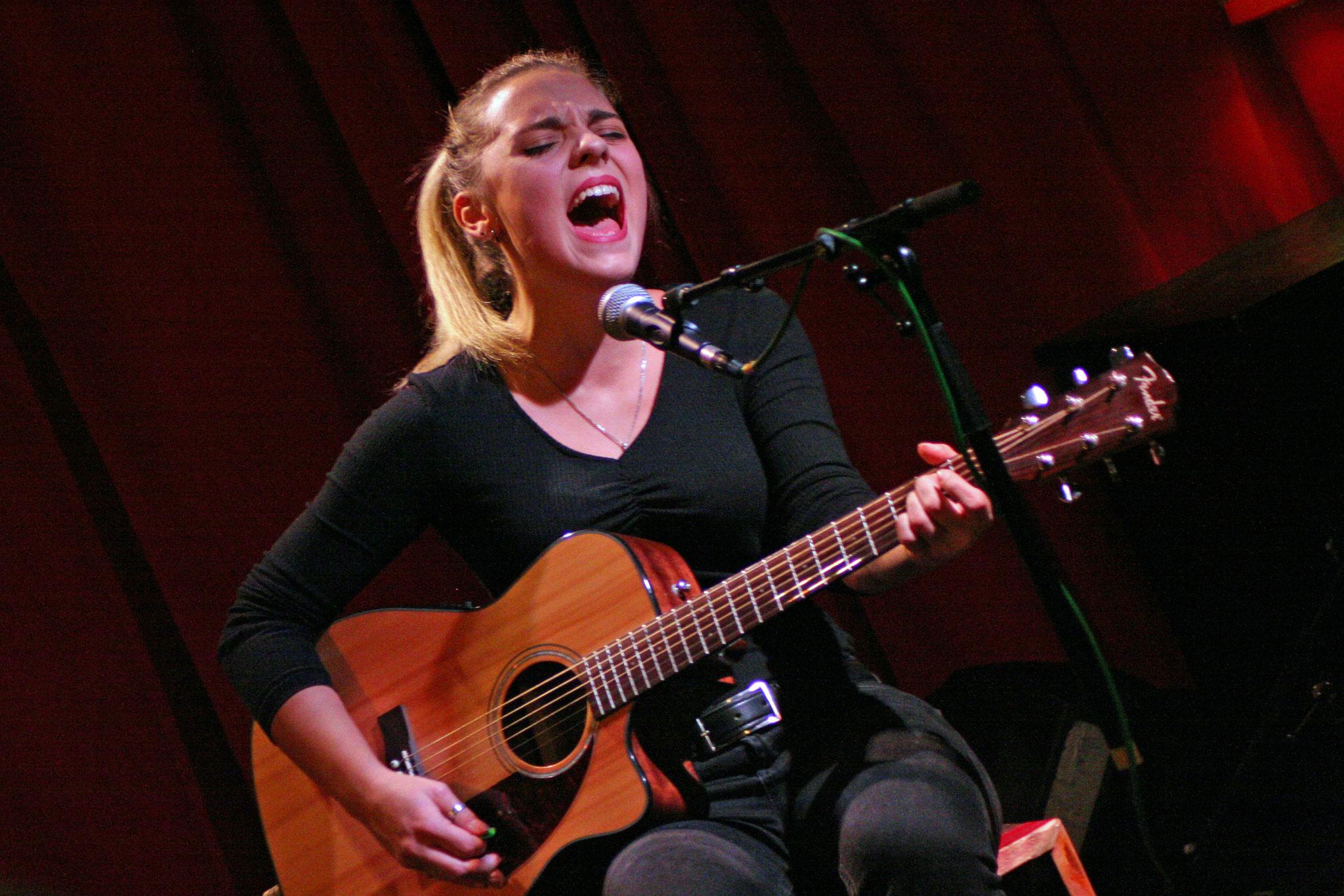 Kim Tamara @ Singer/Songwriter Nacht im Wombat's Wien, 18.11. (c) miggl.at