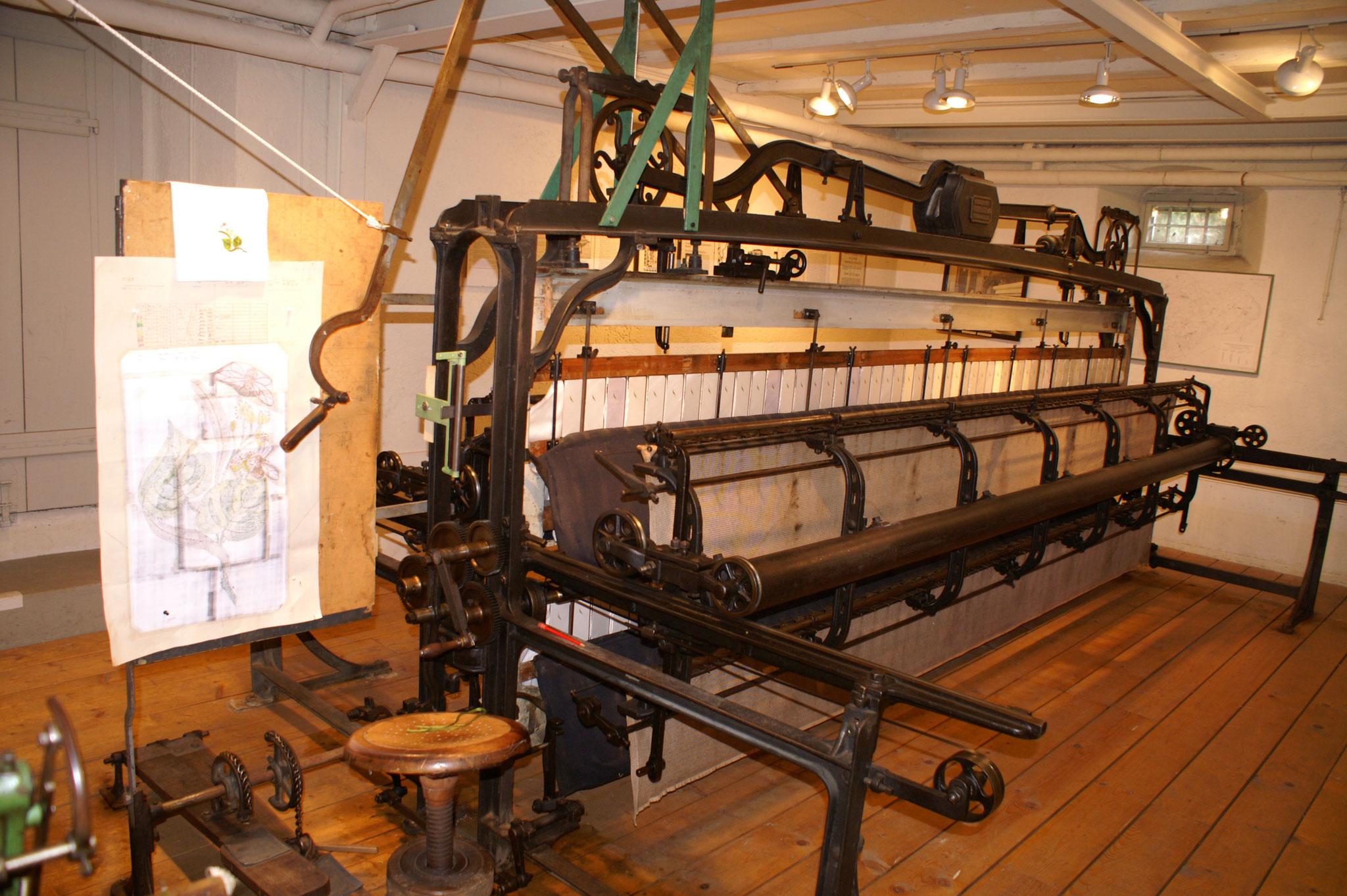Handstickmaschine um 1890 aus der Stickerei A. Naef & Cie AG, hergestellt bei Wiesendanger, Bruggen St.Gallen