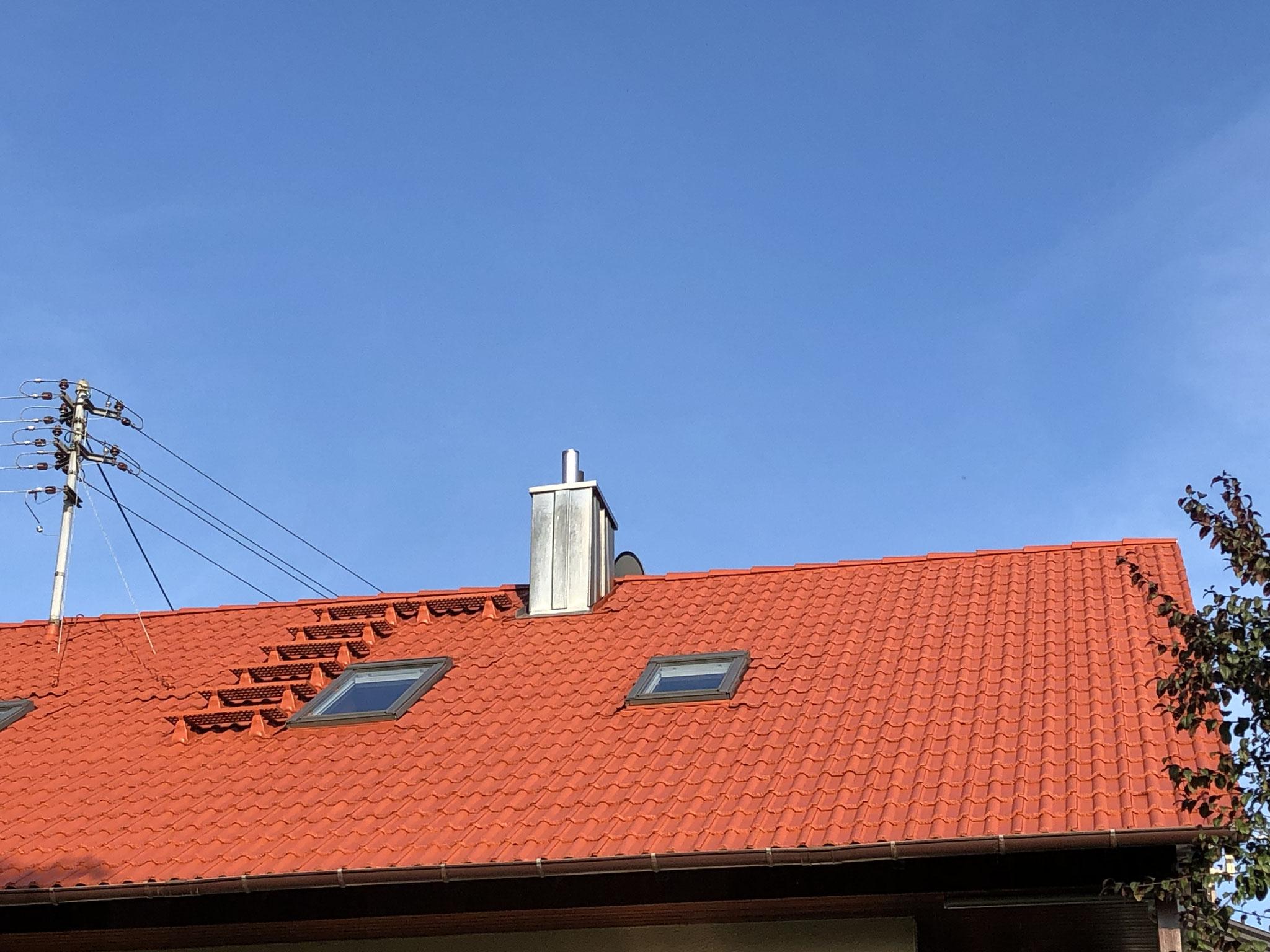 ....nach der Lackierung der Dachziegel