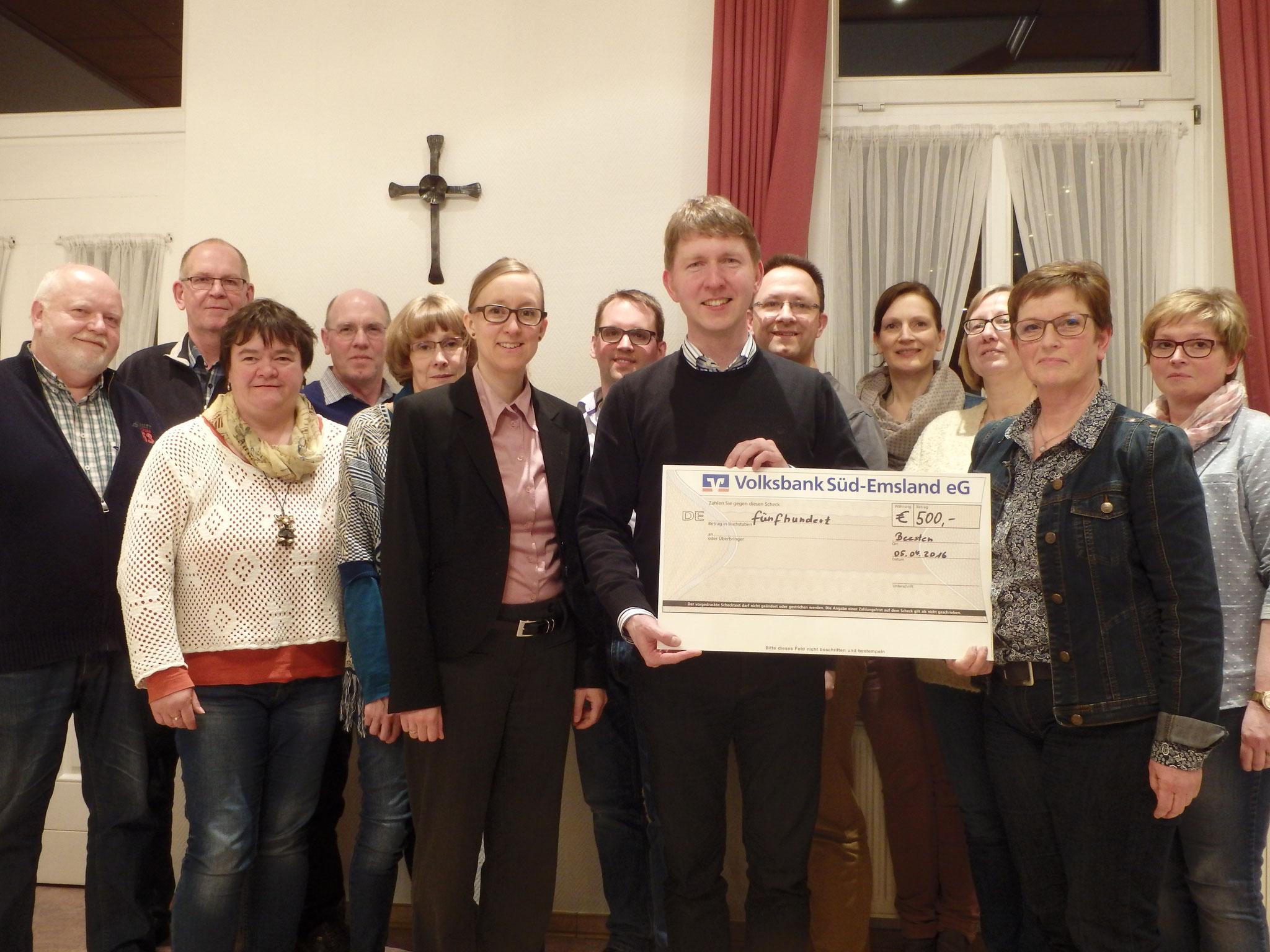 Spendenübergabe zur Renovierung aus den Konzerterlösen 2015