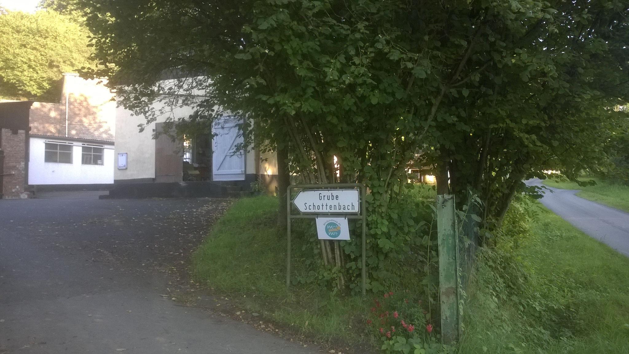 Einfahrt Meister-Dienst-Halle