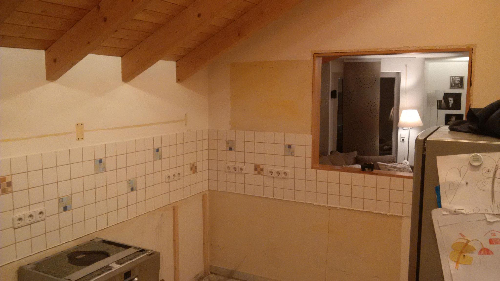 Abbruch der Trennwand zwischen Wohnzimmer und Küche