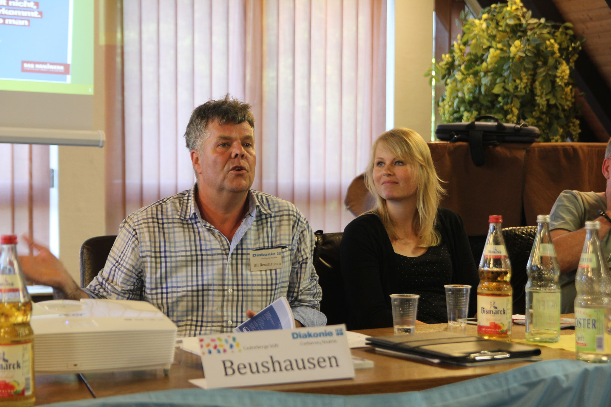 Frau Carrero (DRK) + Herr Beushausen (Diakonie + Bürgerinitiative Cadenberge hilft)