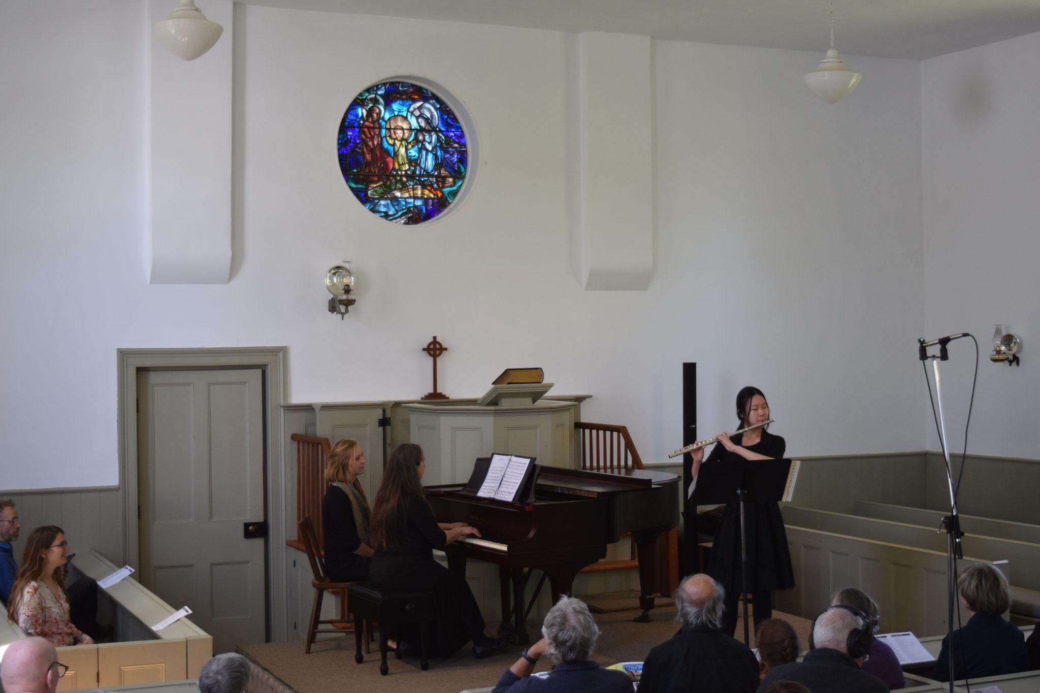 Flutist Suwan Yu in performance accompanied by Barbara Dyck.
