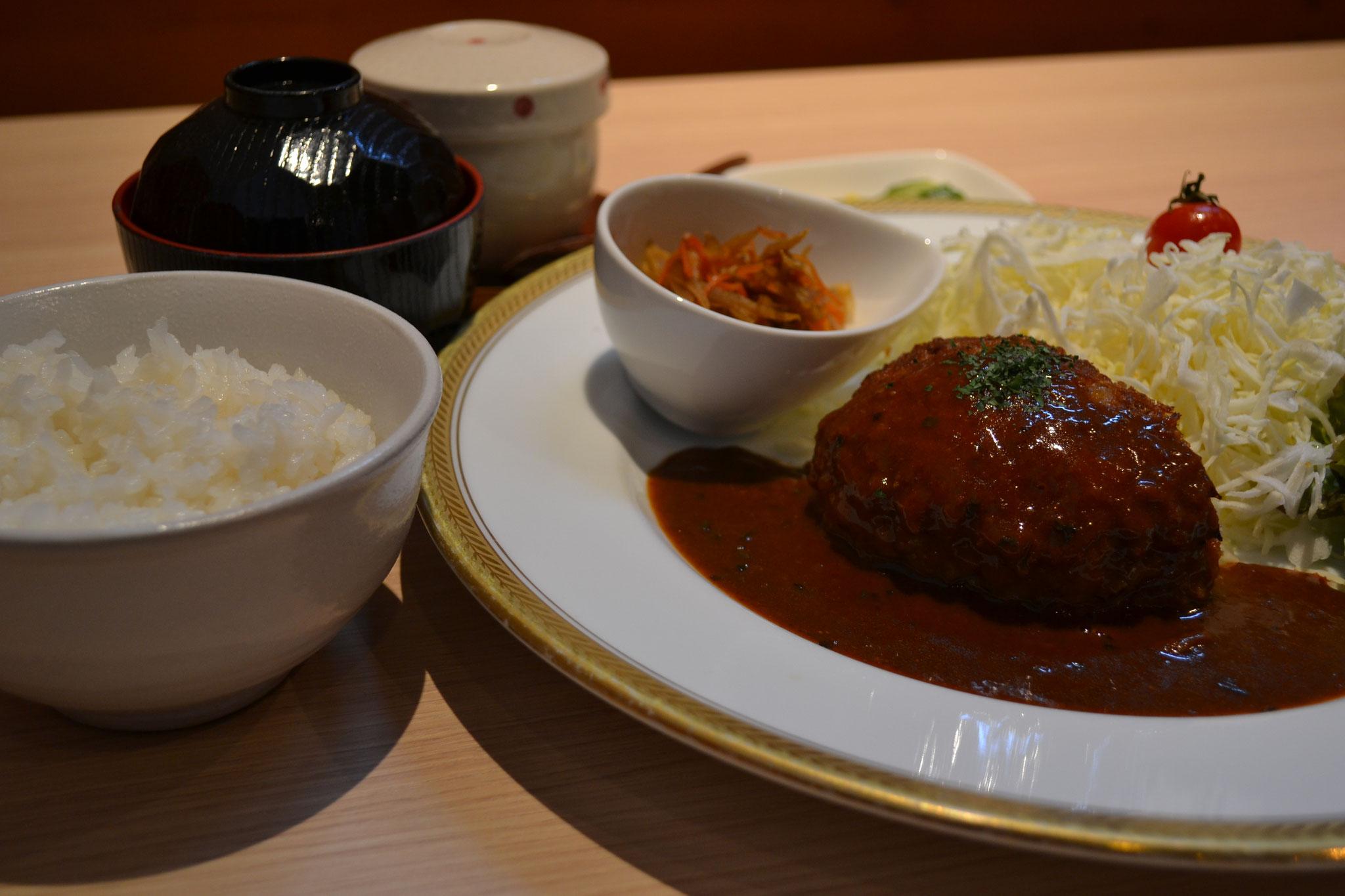 ハンバーグランチ ¥960