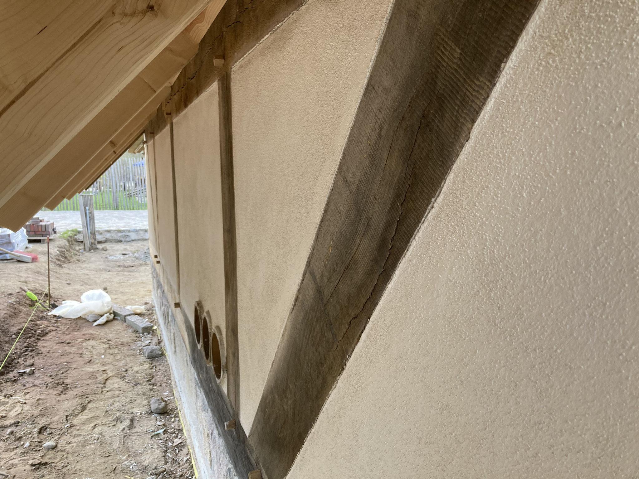 verputzte Fachwerkfassade mit Naturkalkmörtel