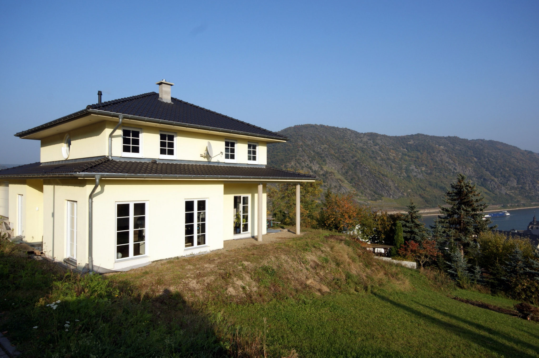 Rhein-Hunsrück-Kreis: Mediterranes Haus mit freiem Rheinblick in Oberwesel