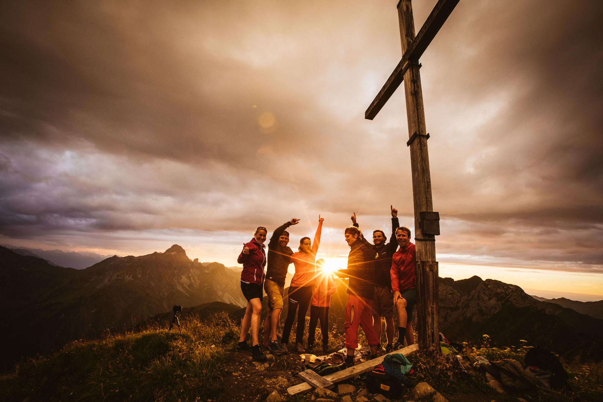 Gipfelsieg mit Freunden