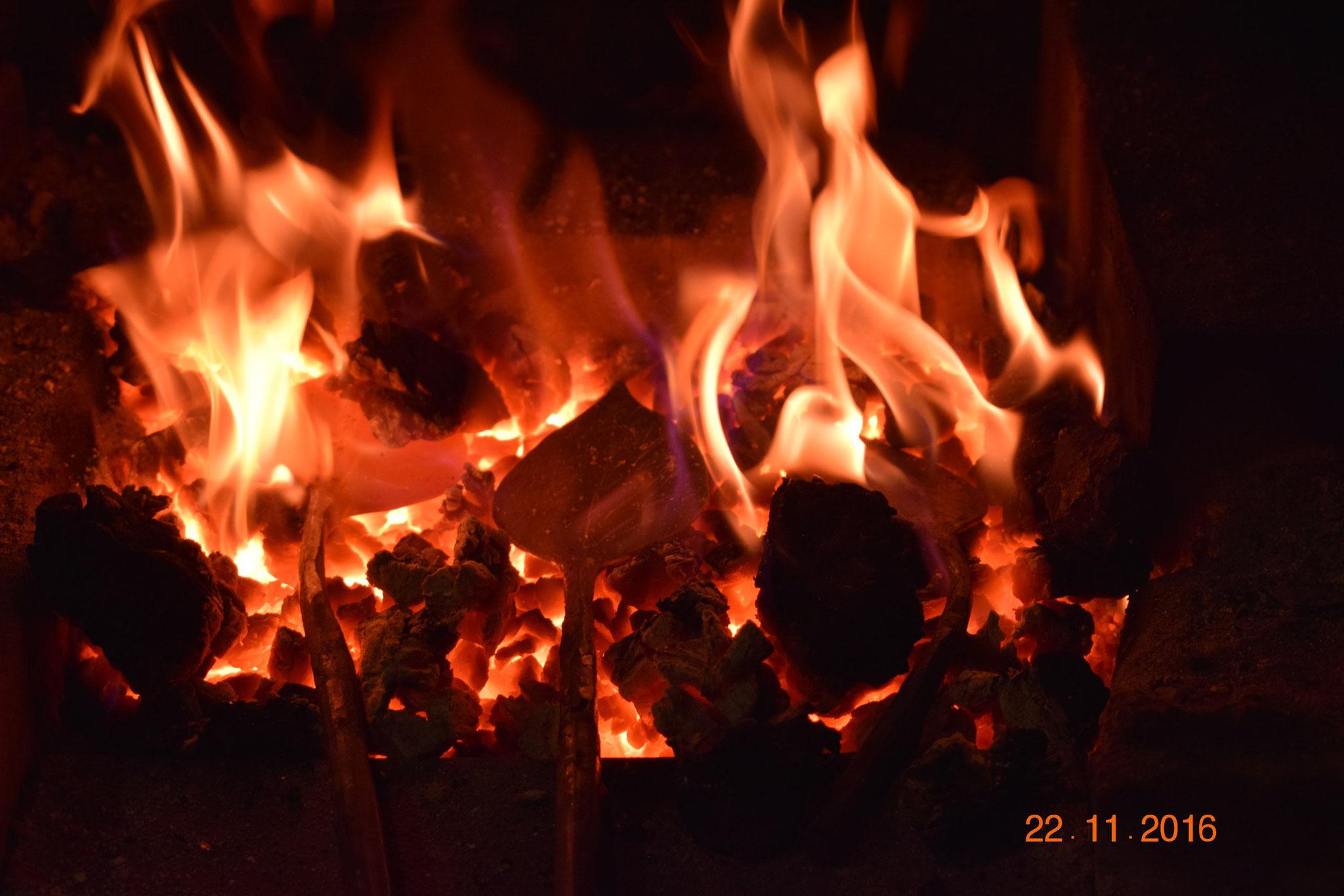 Пламя горна кузнеца