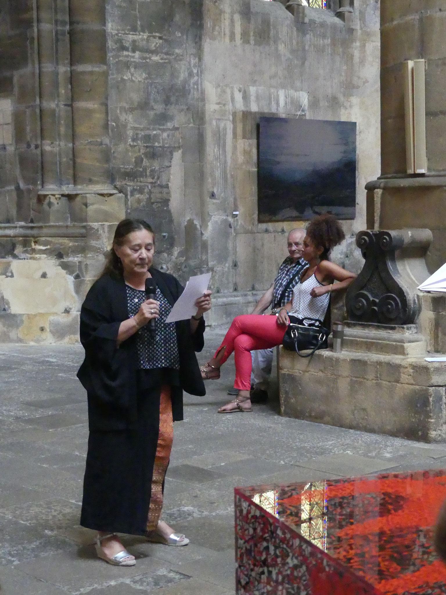"""Lecture d'un poème  Extrait de"""" Un ange passe"""" de Hélène Phung"""