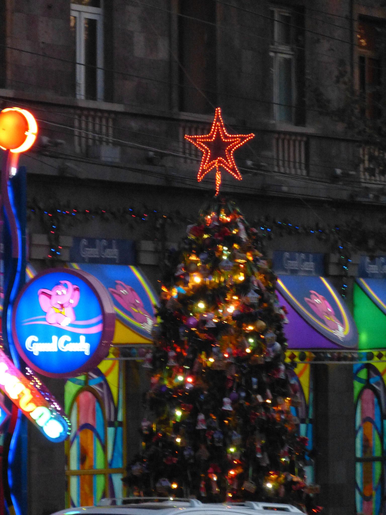 Weihnachtsbaum vor Grand Candy 2015