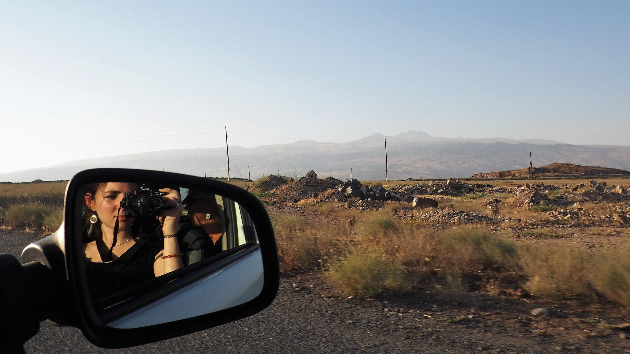 Den Berg Aragats im Visier