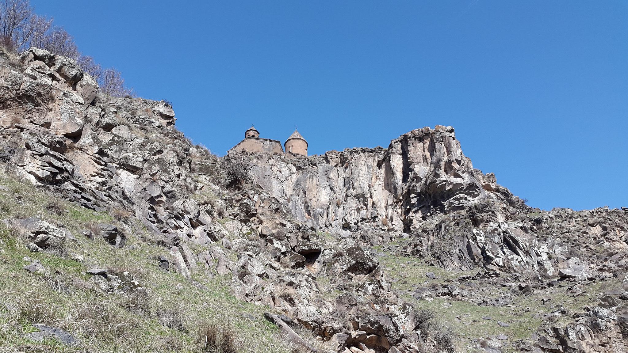 Blick auf Saghmosavank von unten