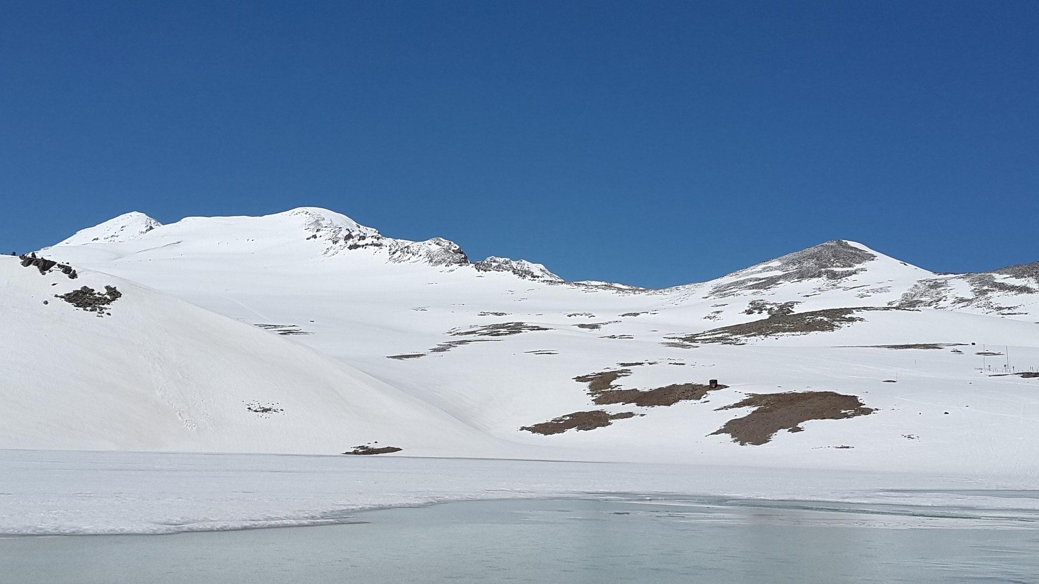 Kari-See und der Aragats