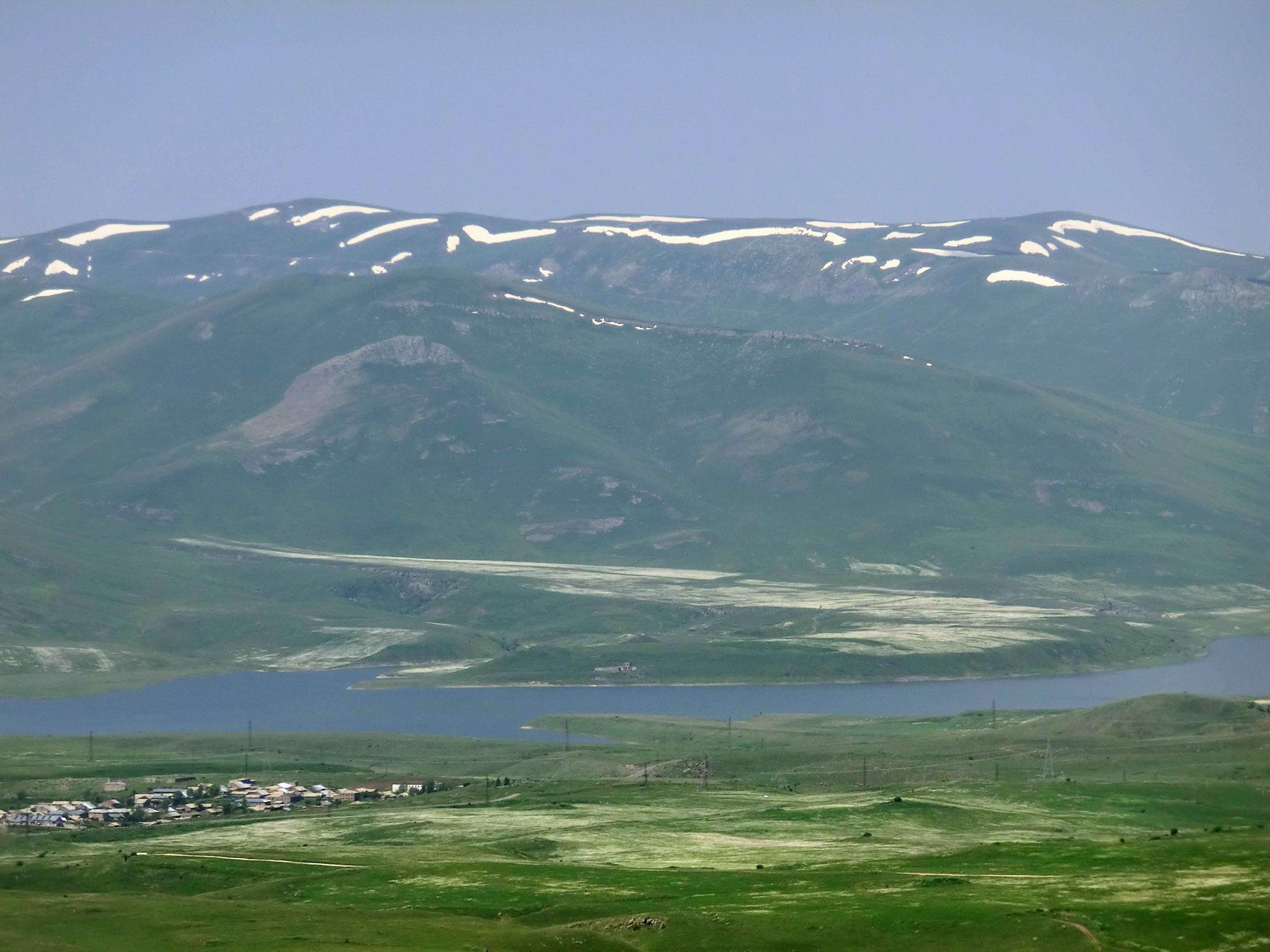 Spandaryan Reservoir