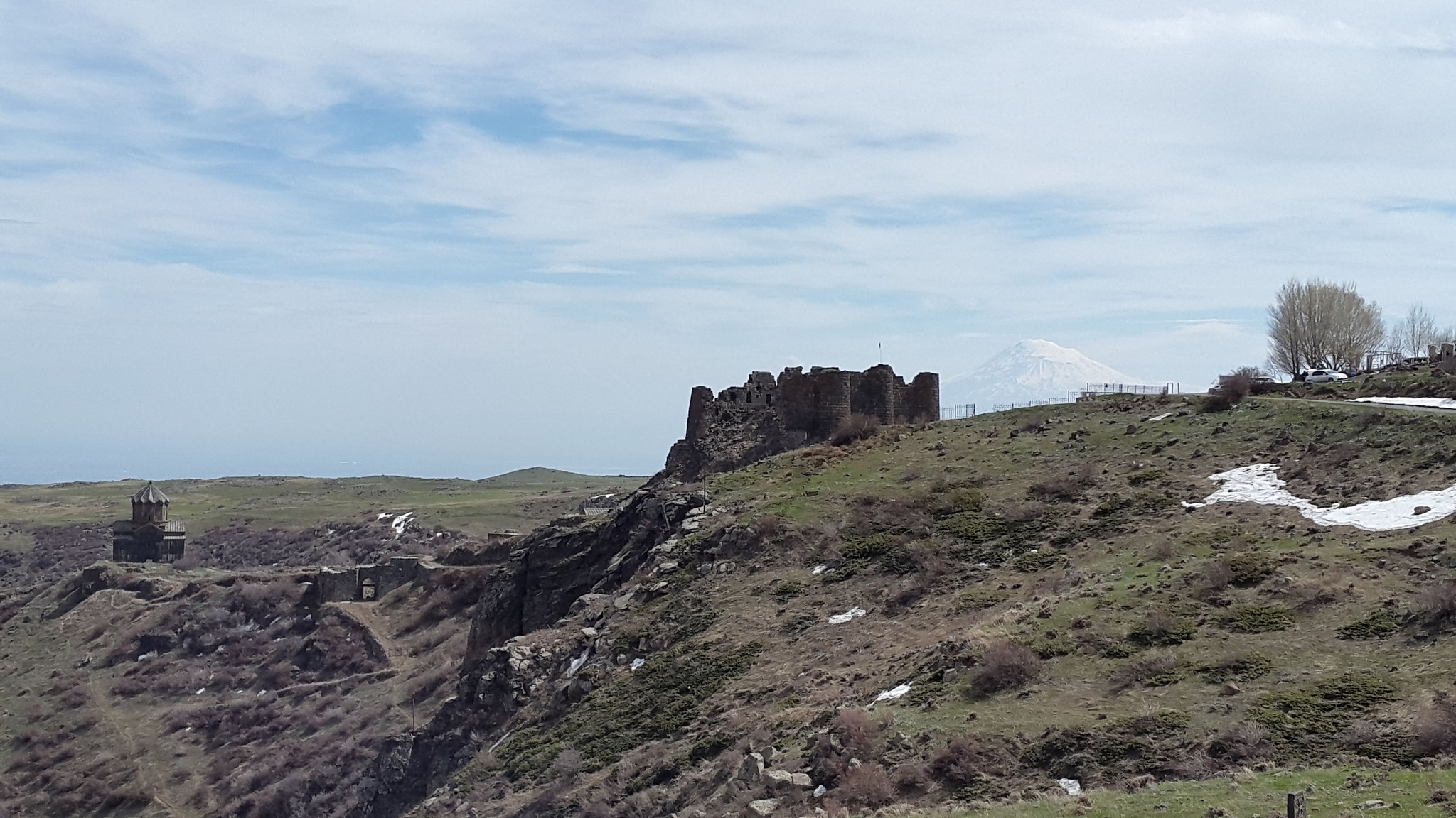 Festung Amberd im April