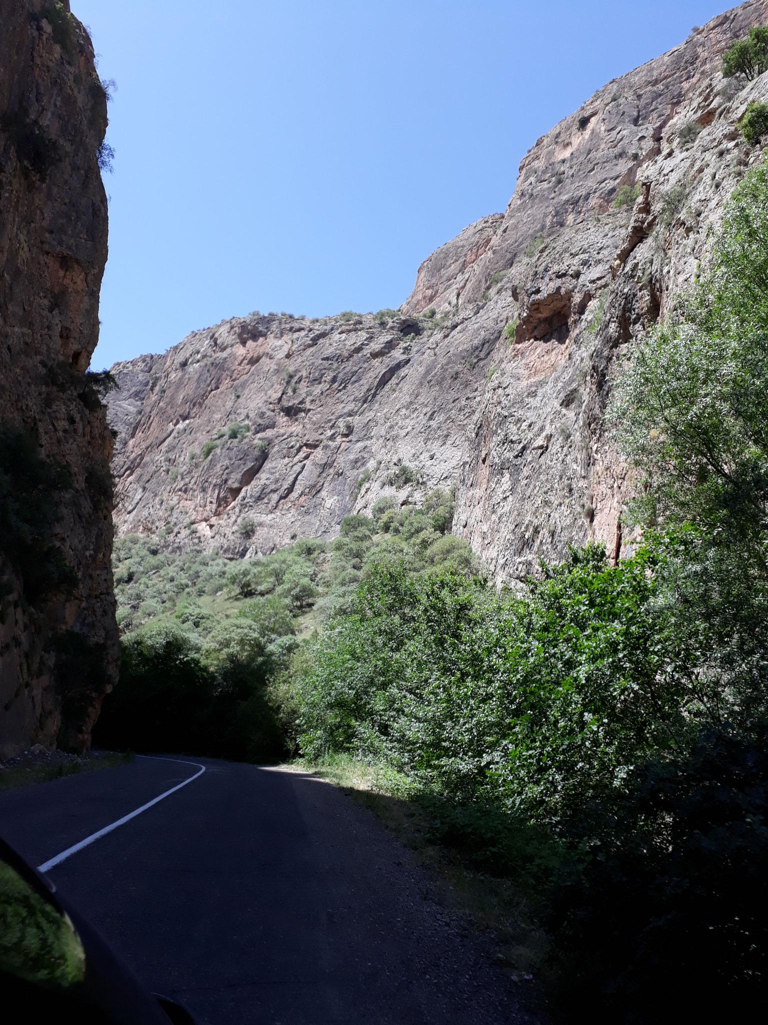 Fahrt durch die Schlucht nach Noravank