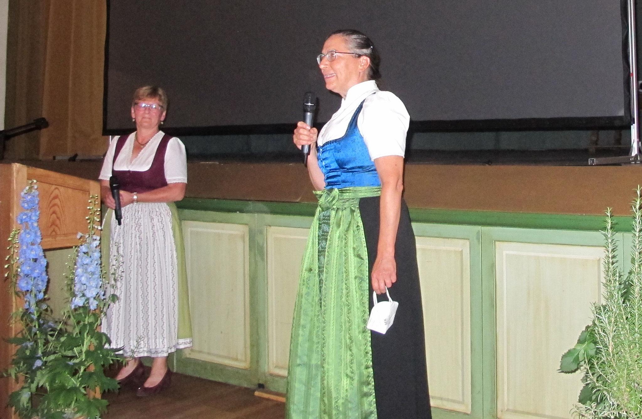 Kreisvorsitzende Simone Kerkel dankt Astrid Leitner