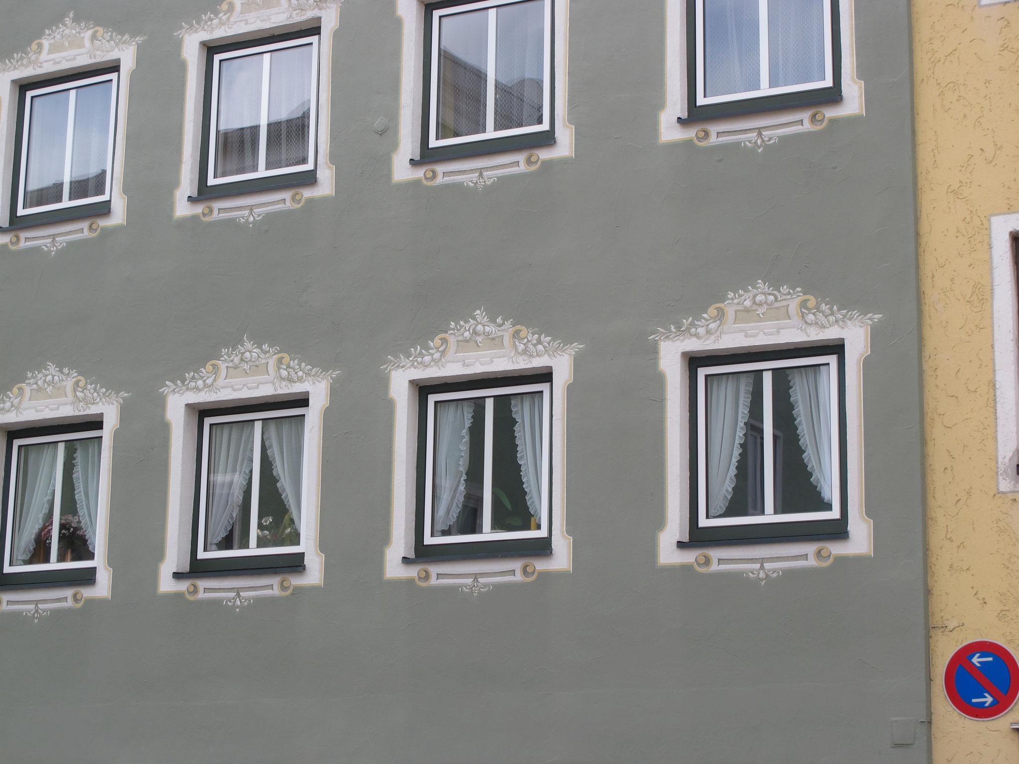 """""""Pflegeleichte"""" Blumen im Fensterrahmen"""