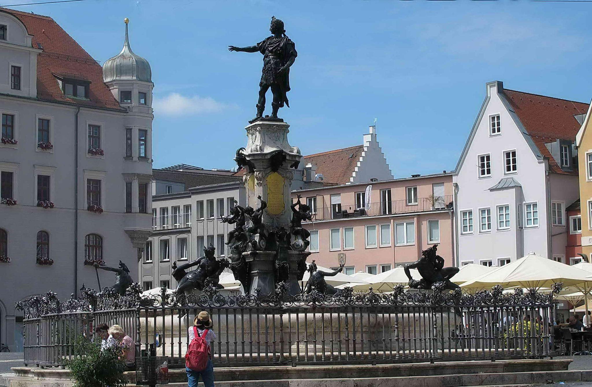Augsburg Innenstadt mit Römerbrunnen