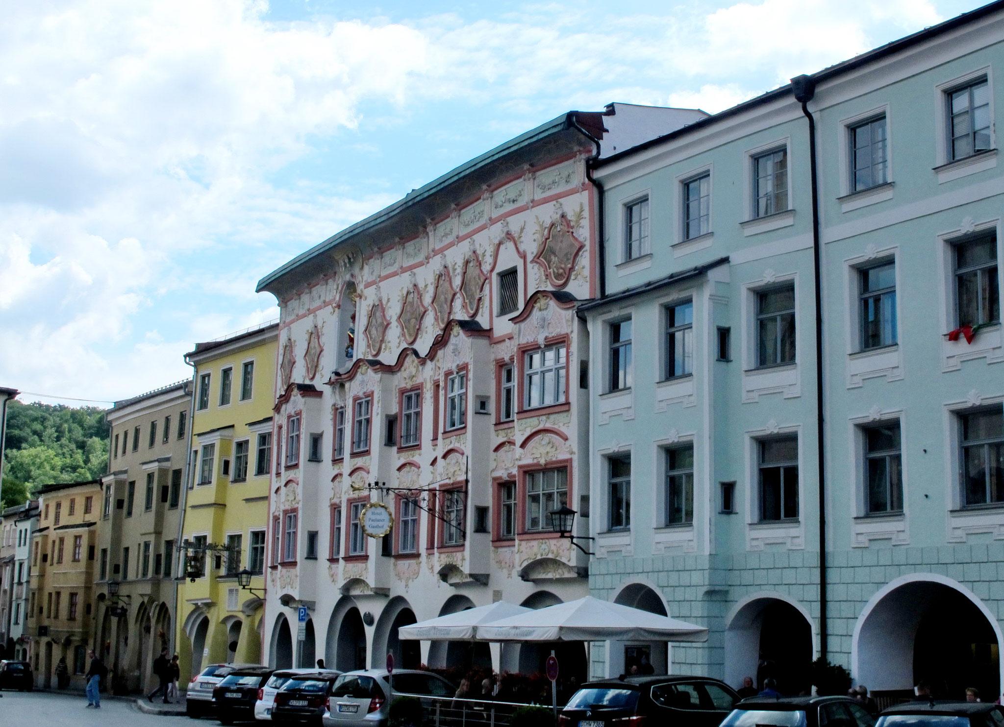 """Das """"Kern-Haus"""" zählt zu den schönsten Patrizier-Häuser in Oberbayern. 1740 - Gestaltet von Johann Baptist Zimmermann"""