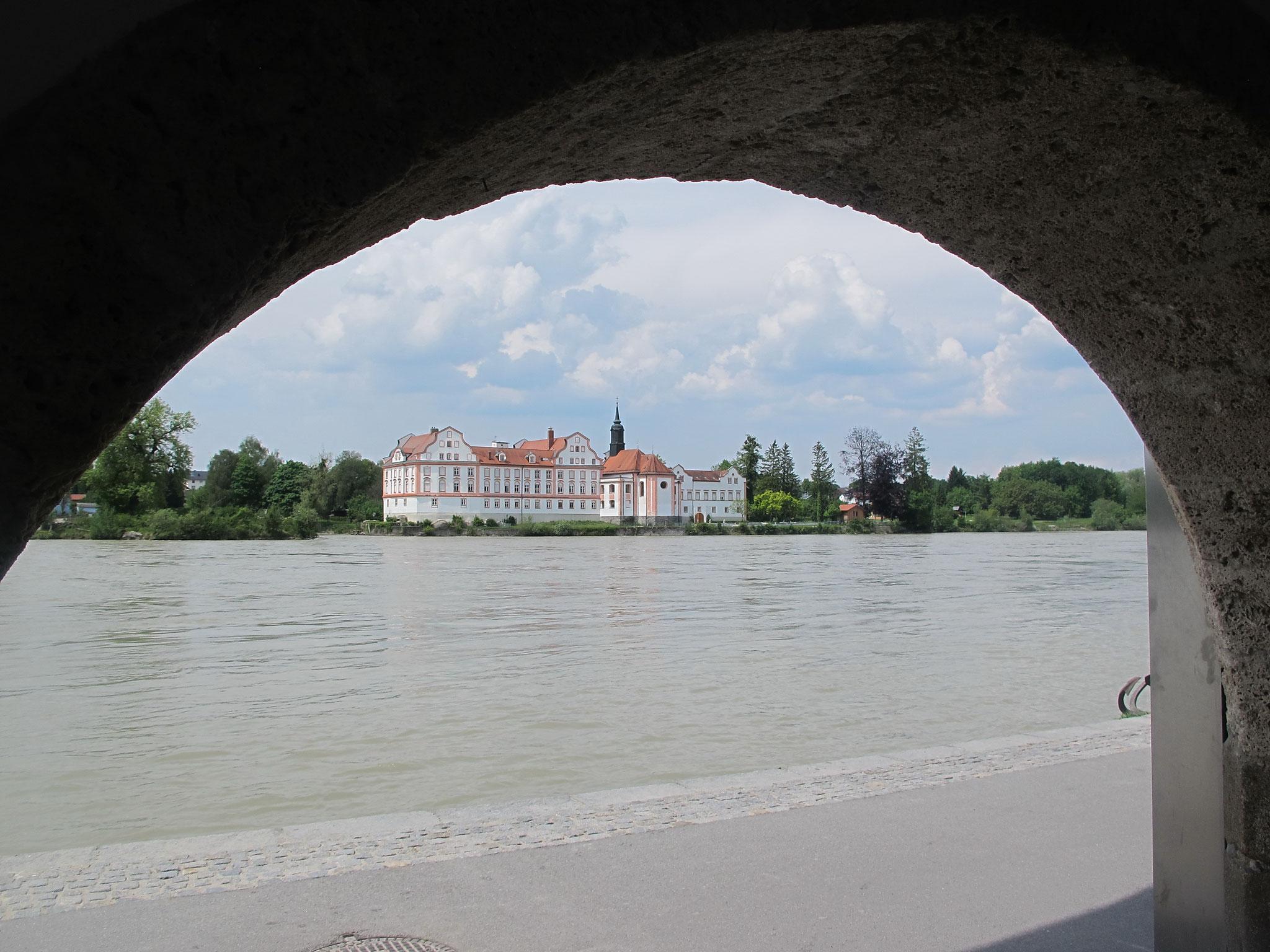 Kloster Neuhaus auf der bayer. Innseite