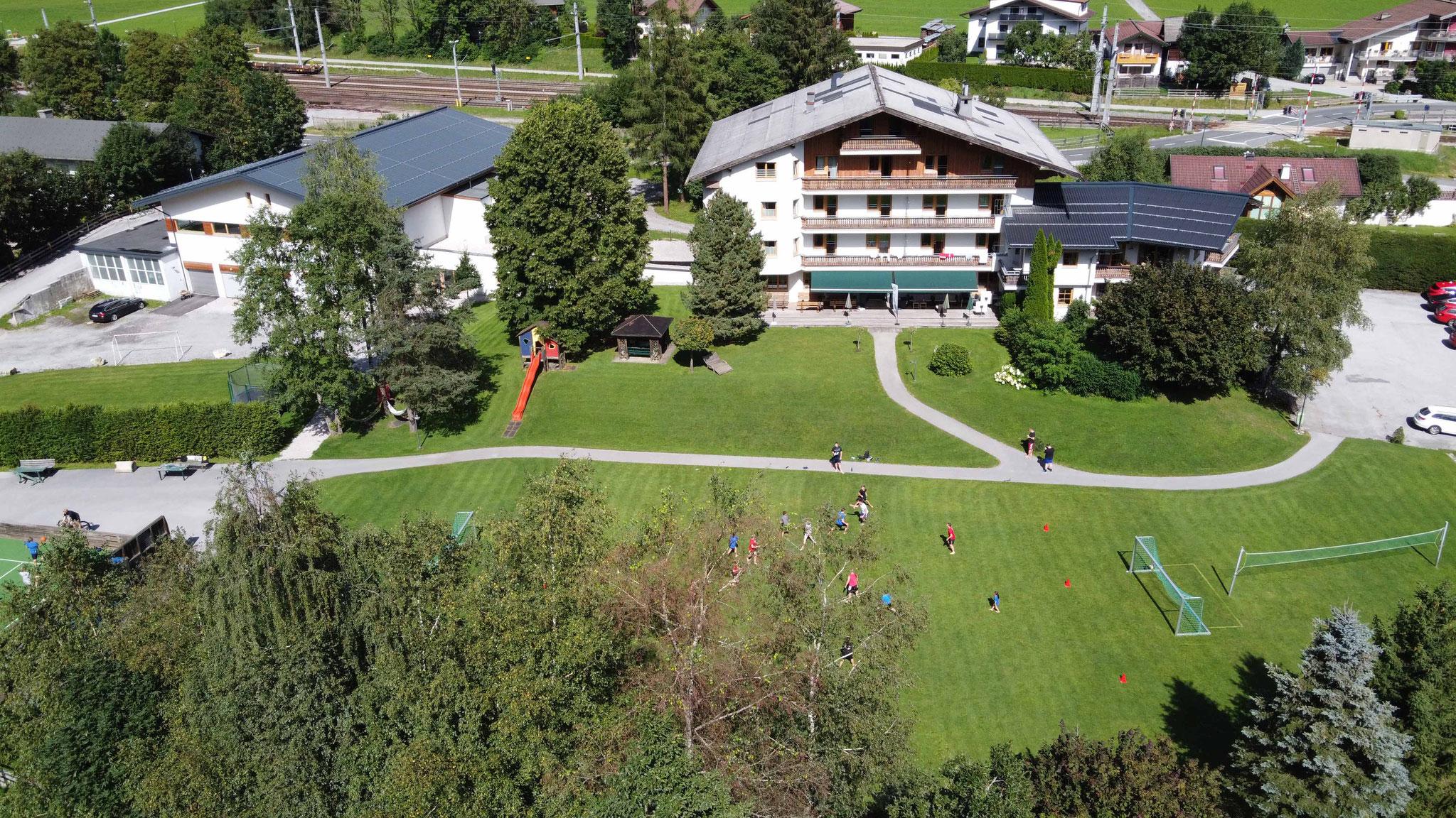 Hotel Lindenhof aus der Luft