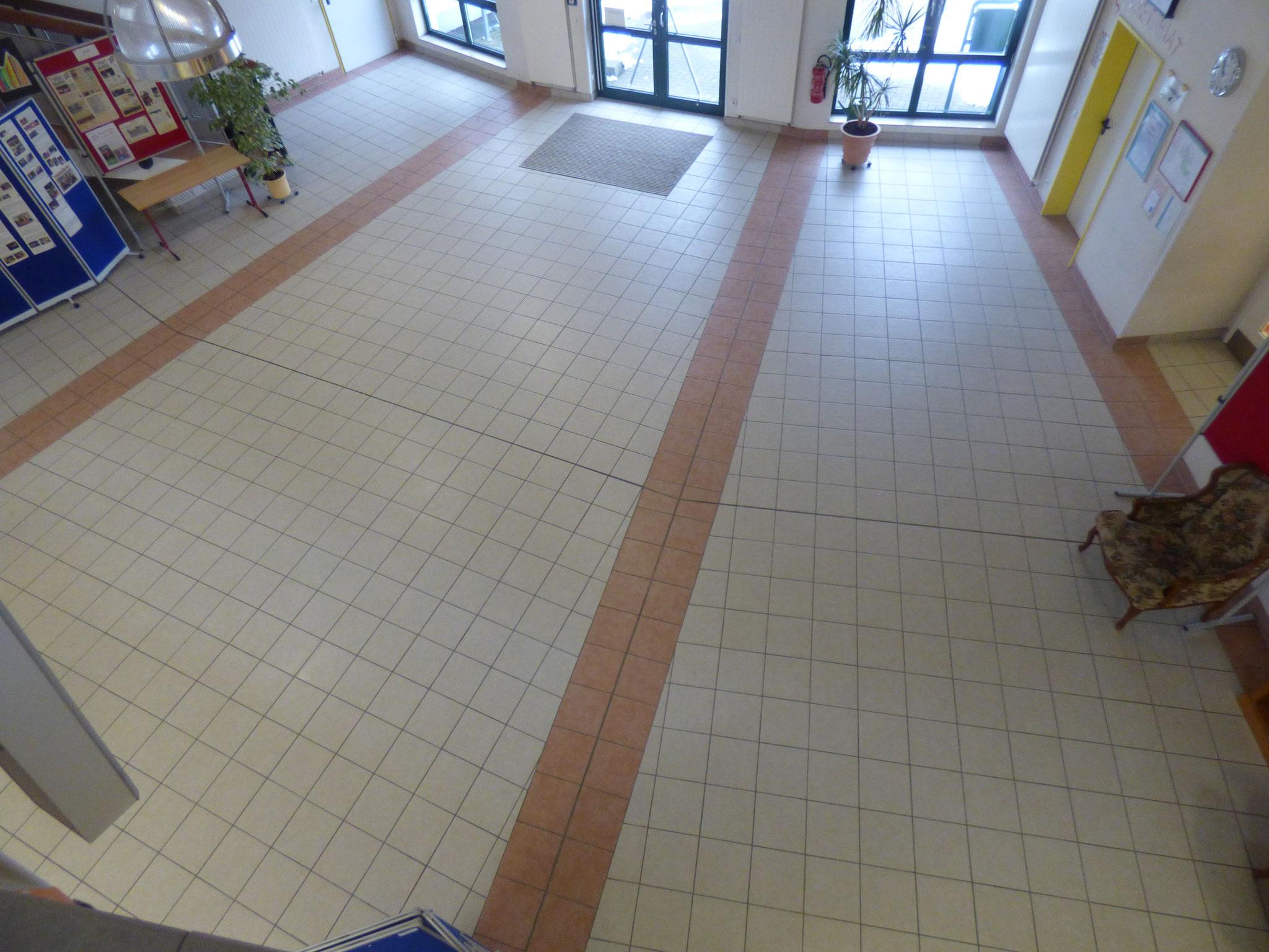 Grundschule Ost Foyer von oben