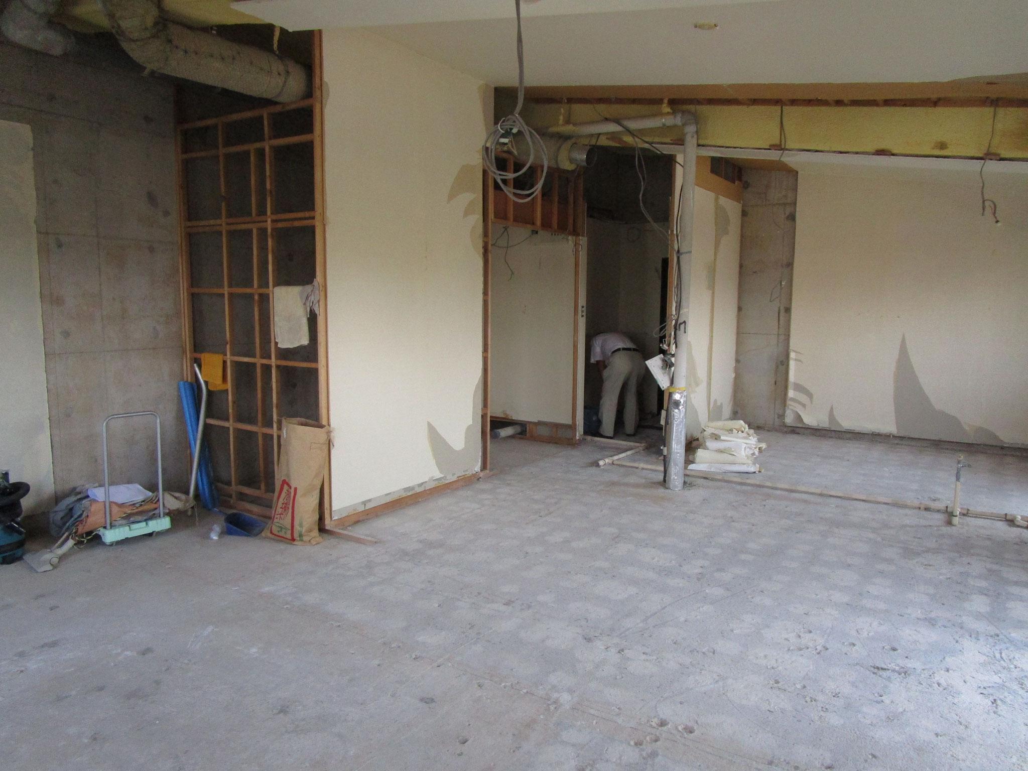 解体後の洗面室、浴室付近(向かって左側)