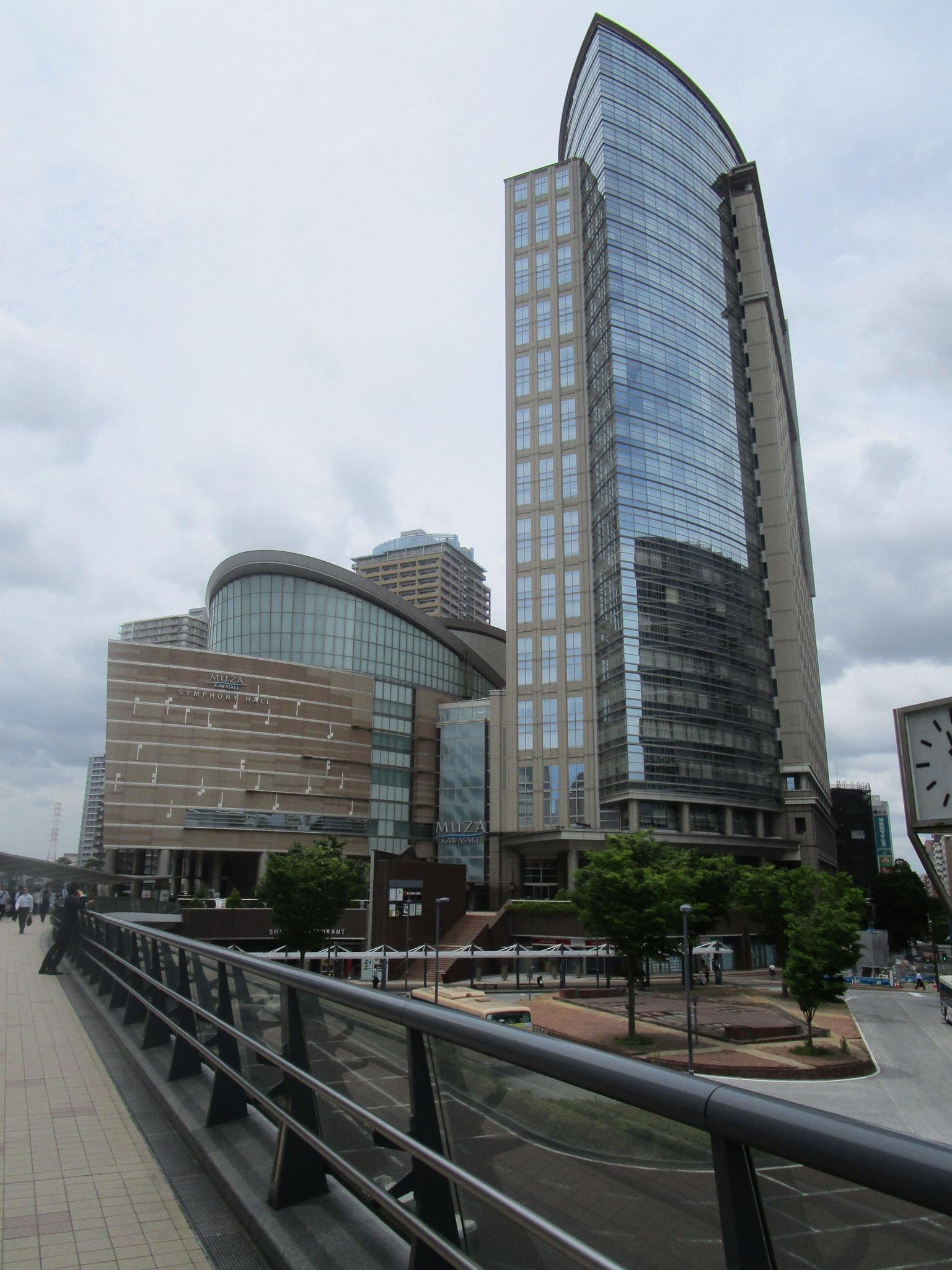 自由通路で直結の「ミューザ川崎」
