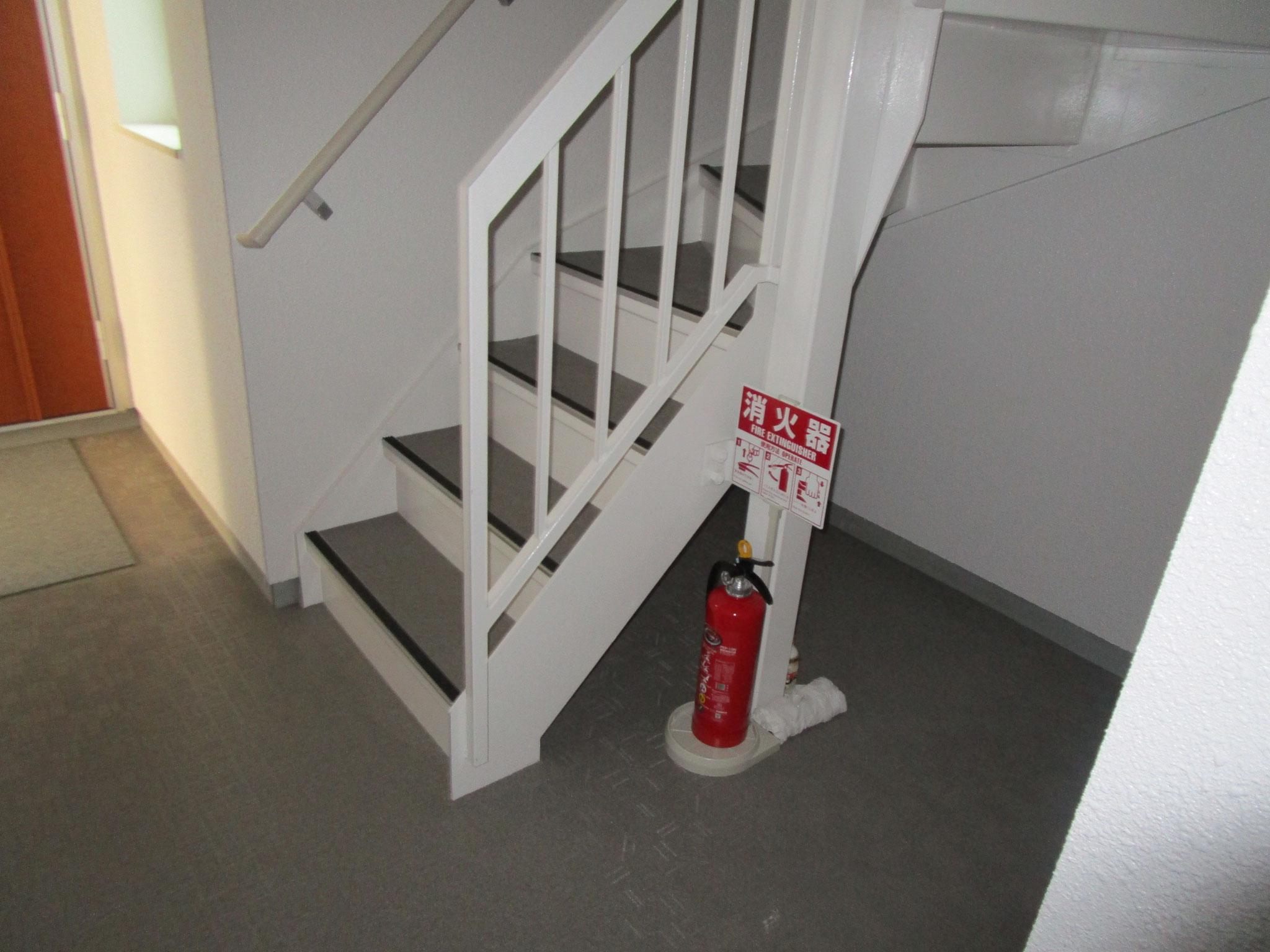 中階段を上がります