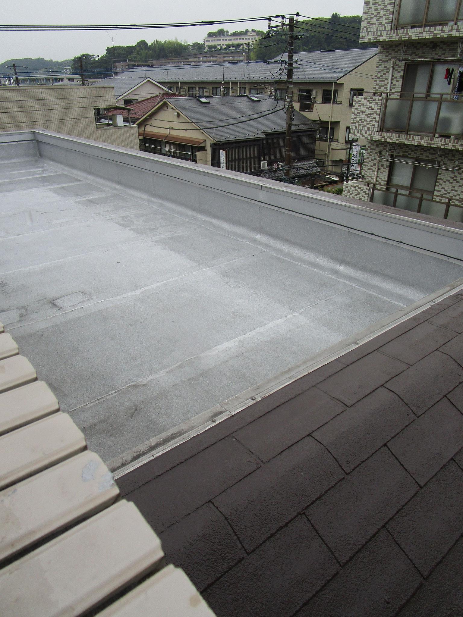 バルコニー・屋上は防水工事を実施
