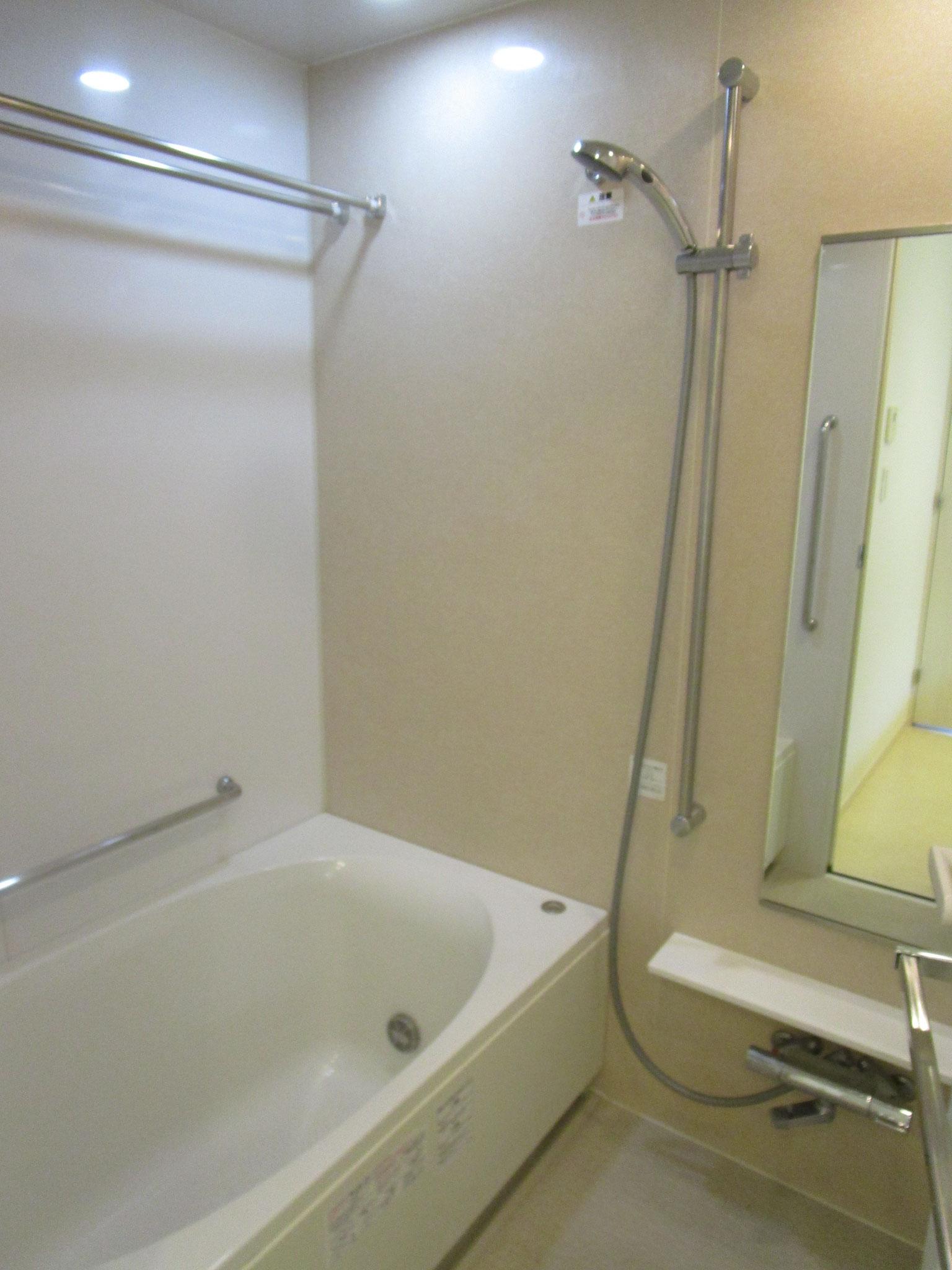 浴室は暖房乾燥機・ミストサウナ付きです
