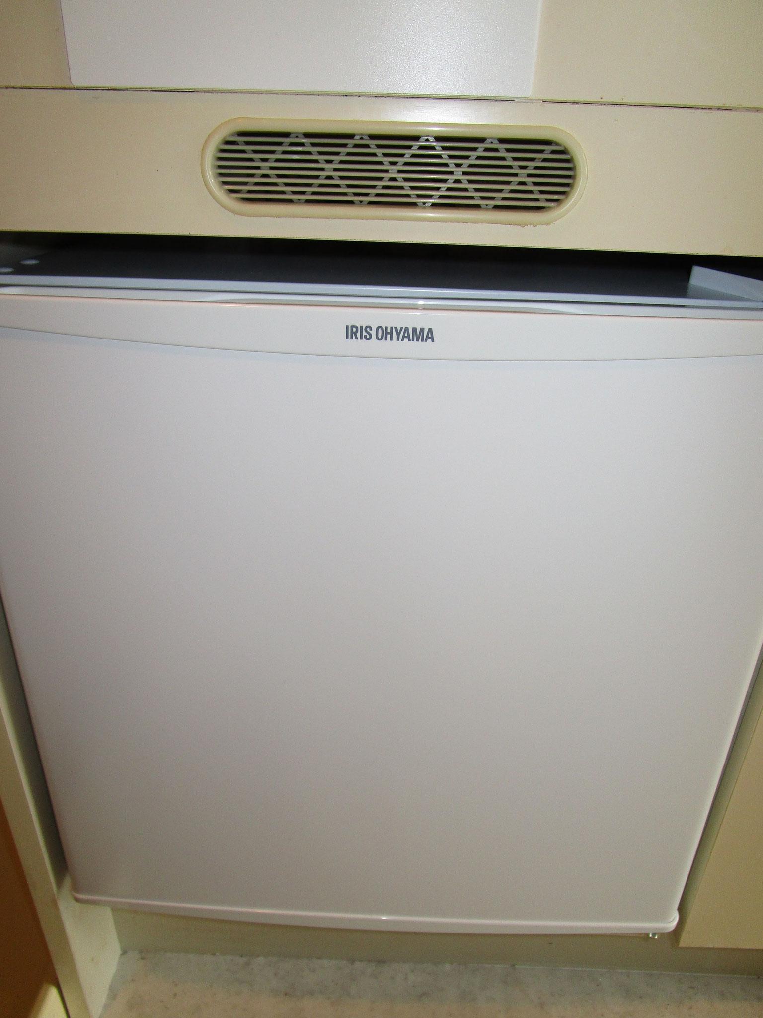 ミニ冷蔵庫も新規交換