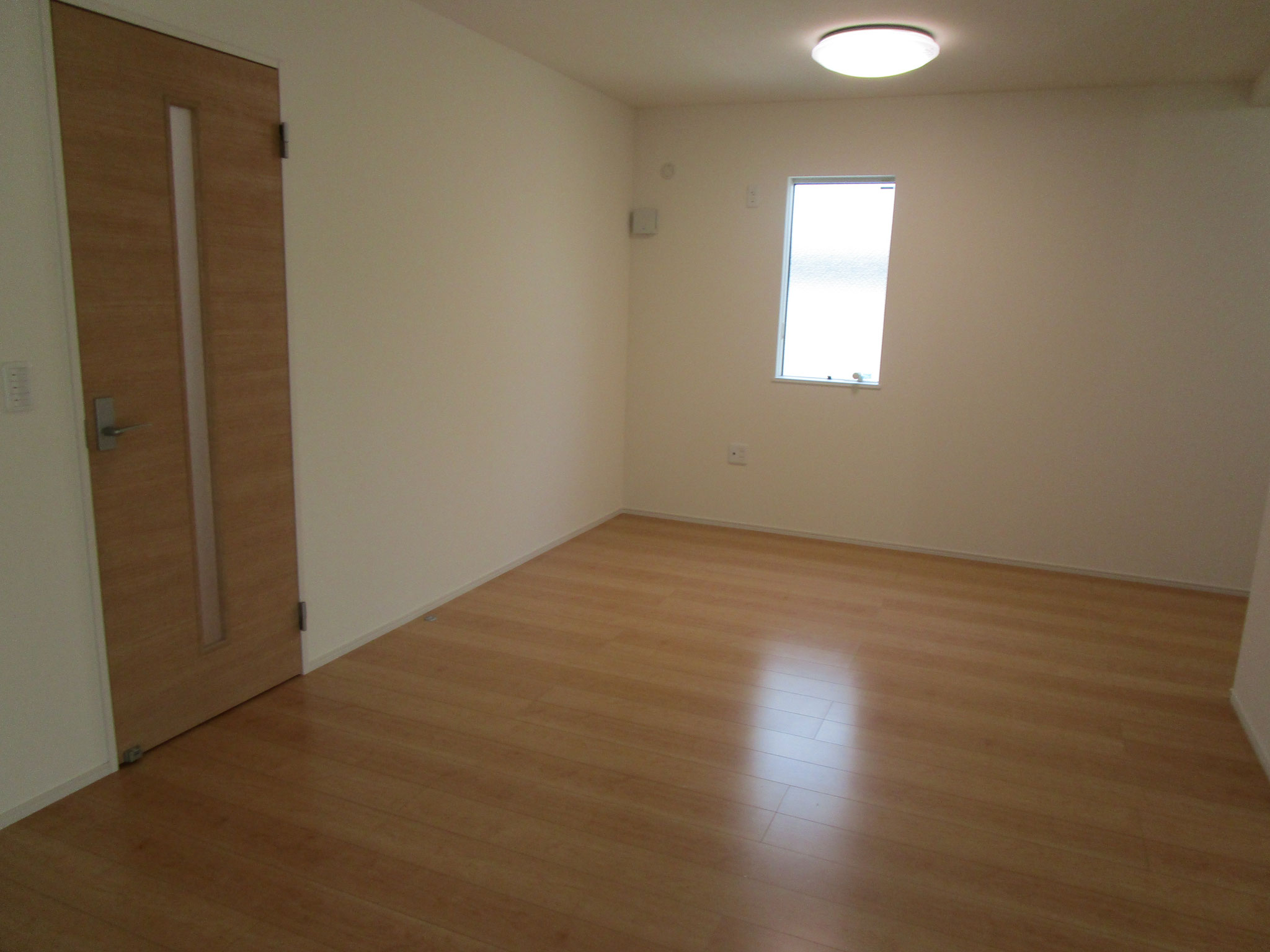 ホールの右側はLDK