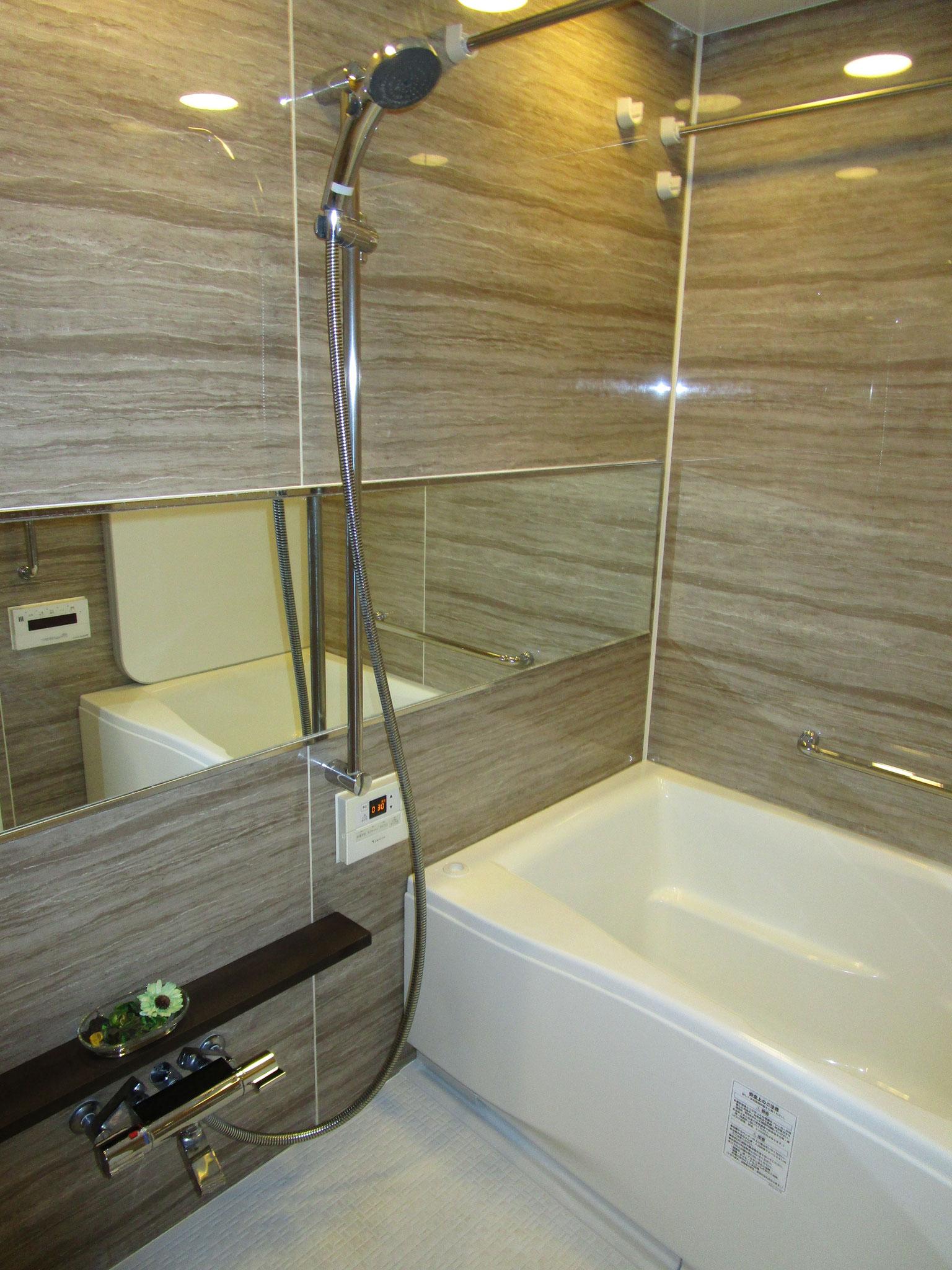 バスルーム。フルオートバスです