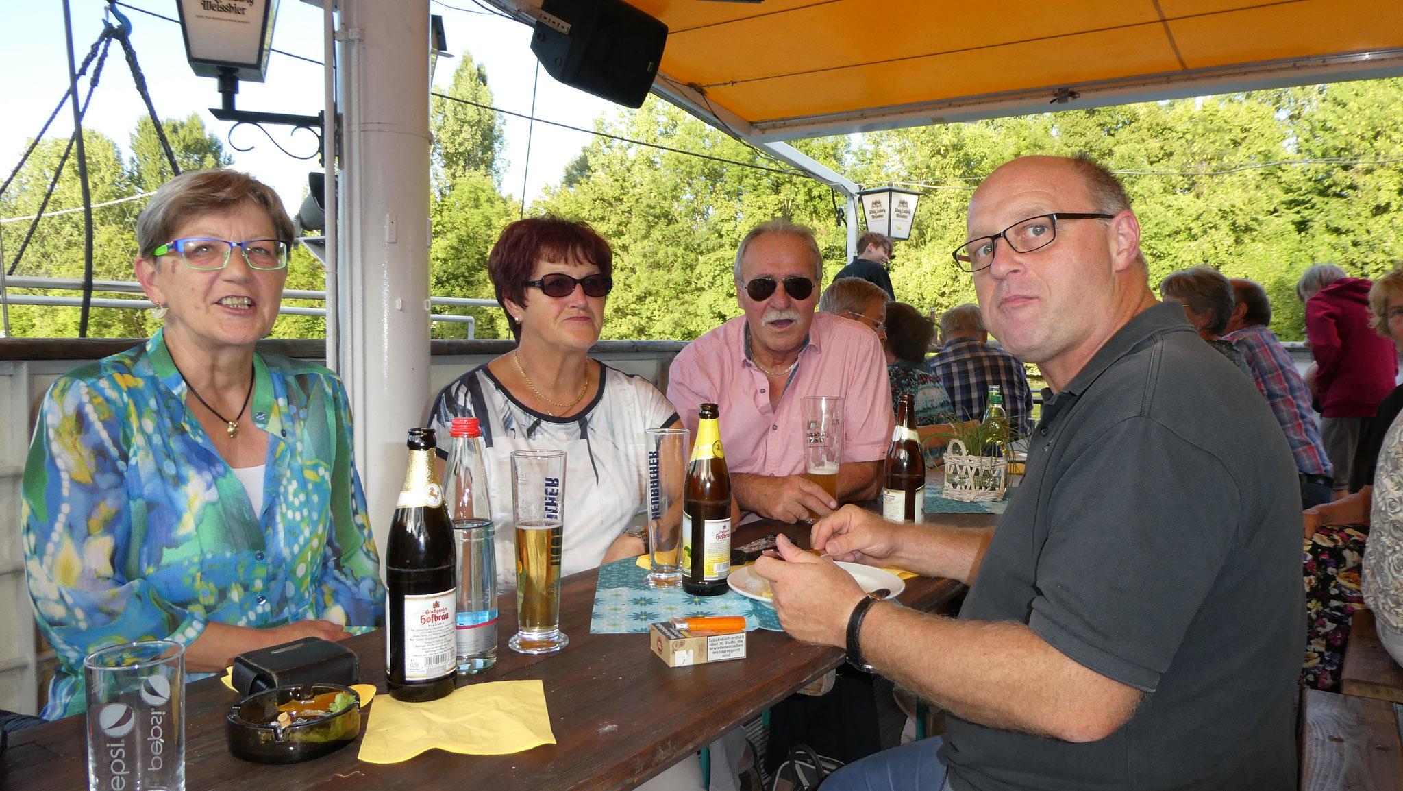 Tafelteam schnuppert Neckarluft - Ausflug am 10.08.2018