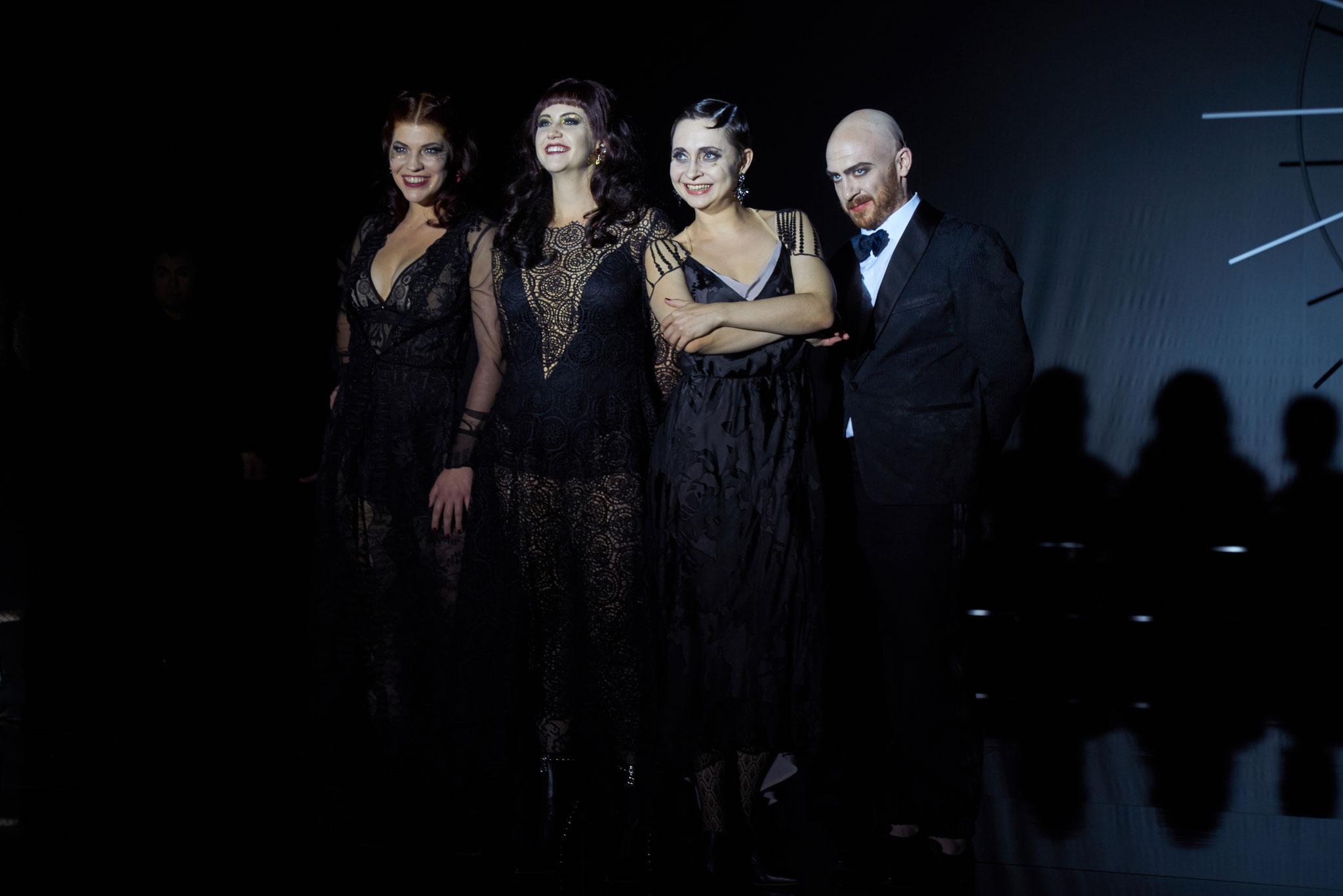© Ingo Höhn, Manon LT Luzern 2017 mit Sarah Alexandra Hudarew und Rebecca Krynski Cox sowie Jason Cox