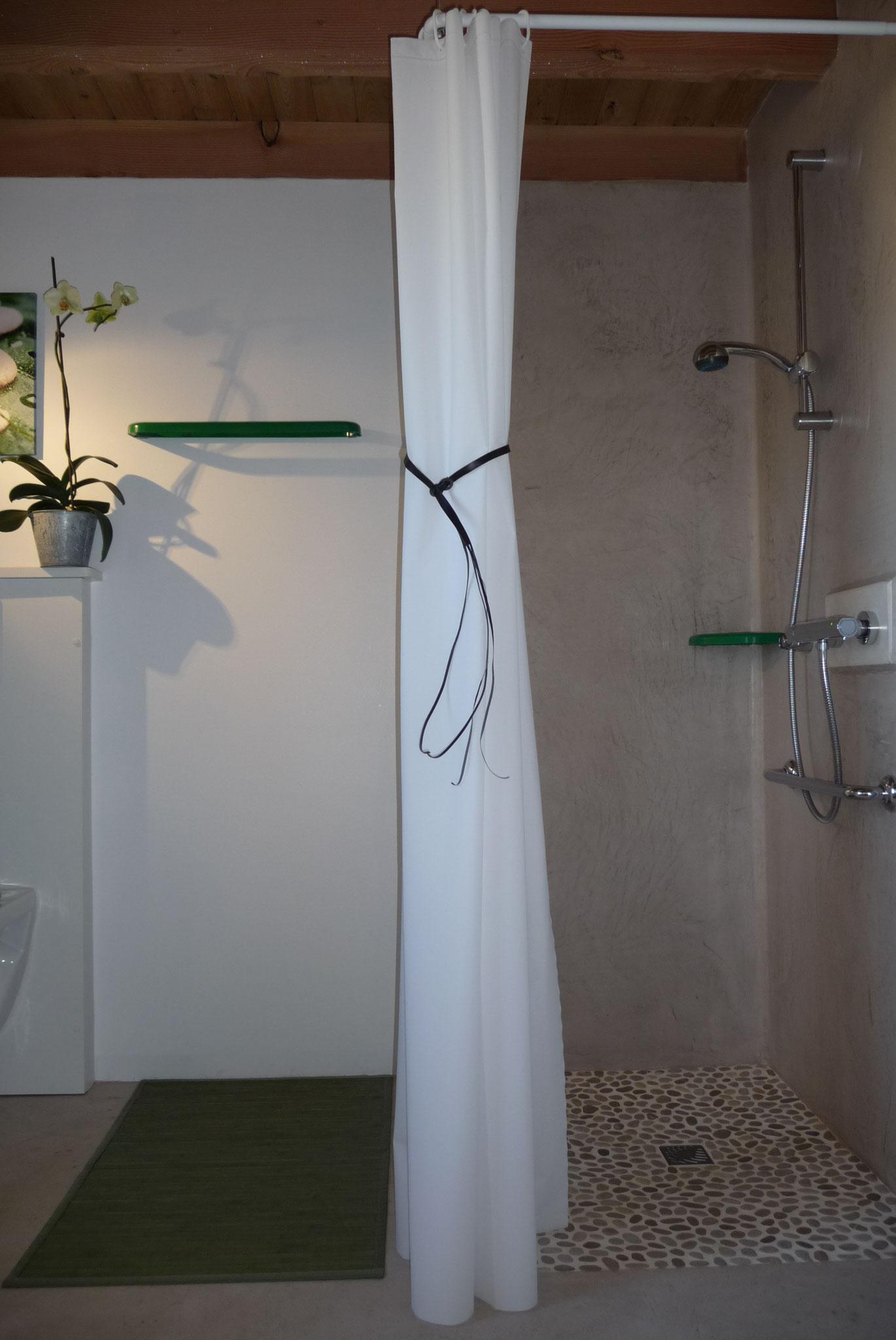 Gîte La Ponne, douche à l'italienne