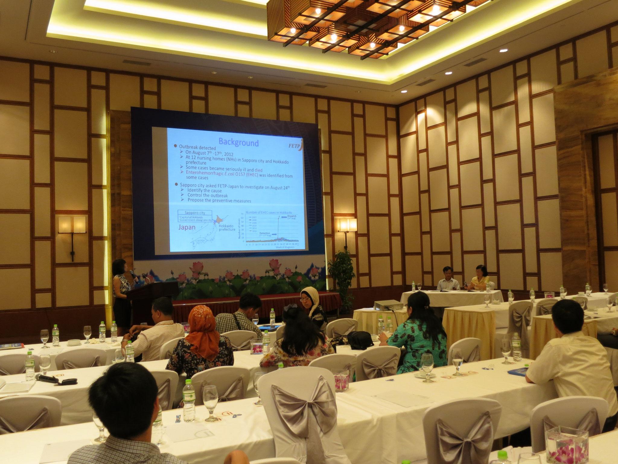 Dr. Ayako Tabuchi, from Japan FETP trình bày