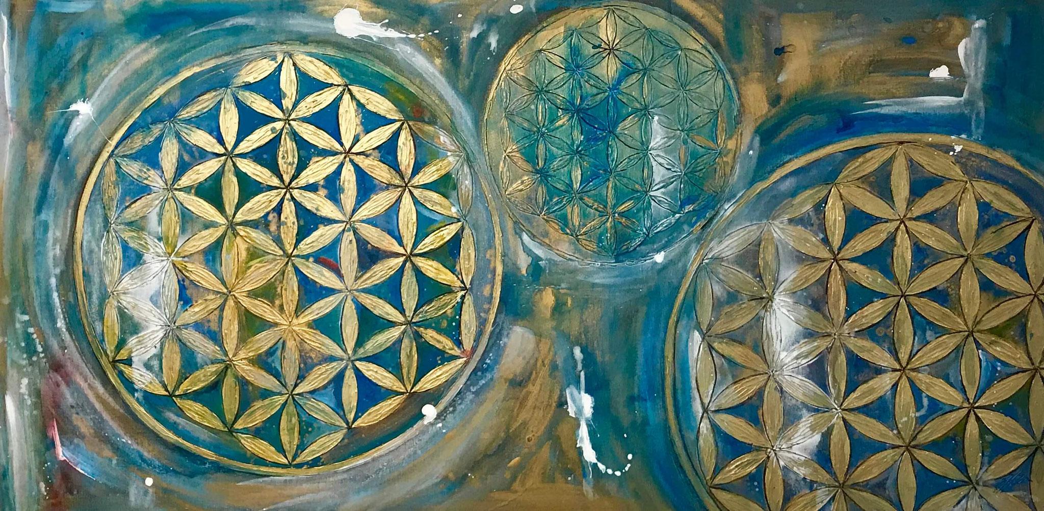 """3 Blume des Lebens in Gold"" Acryl auf Leinwand 140 x 70 cm."