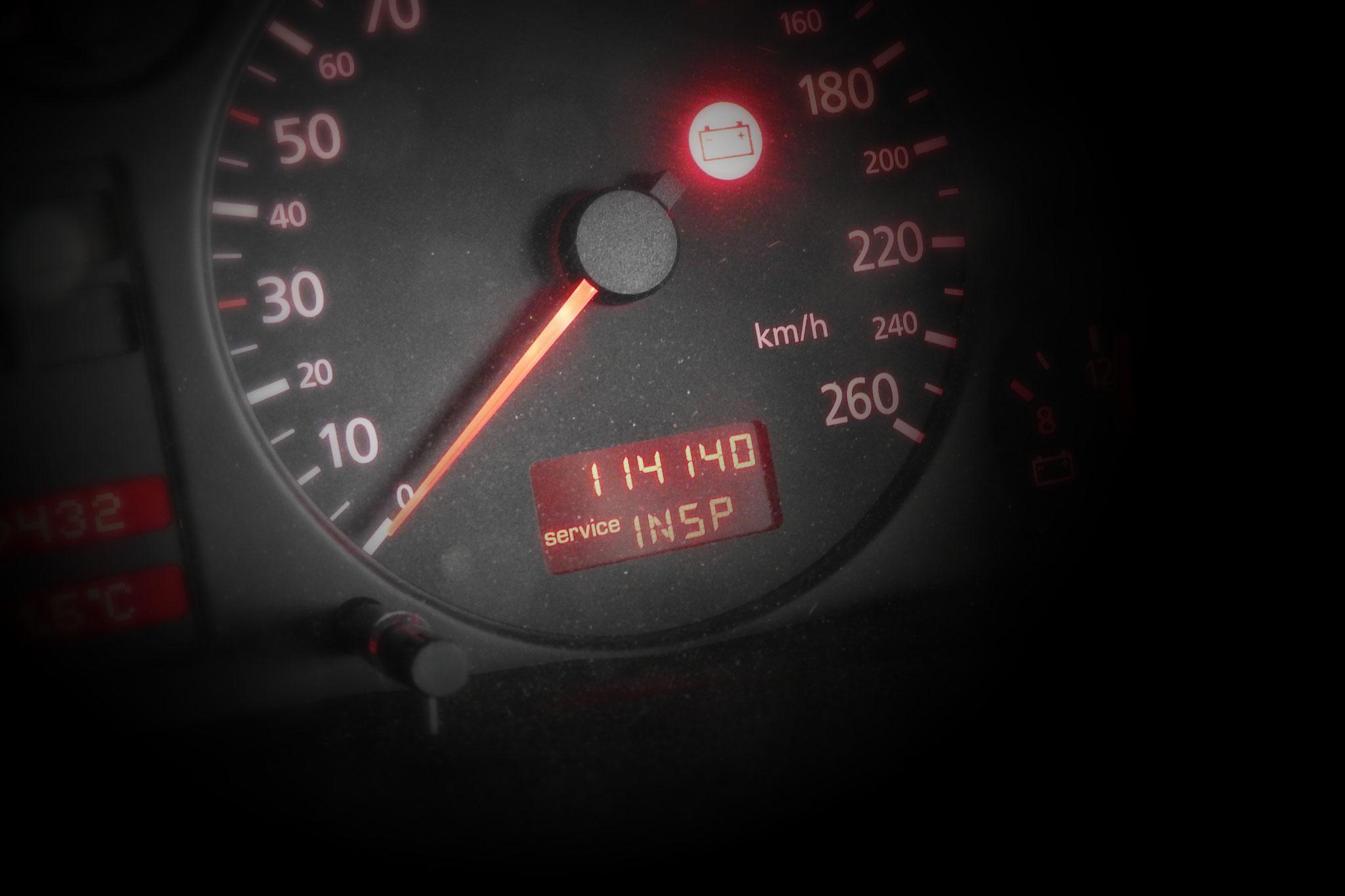 Was leuchtet da für eine Warnleuchte und macht es Sinn, dieses Fahrzeug zu kaufen? -wir beantworten Ihnen diese Frage!